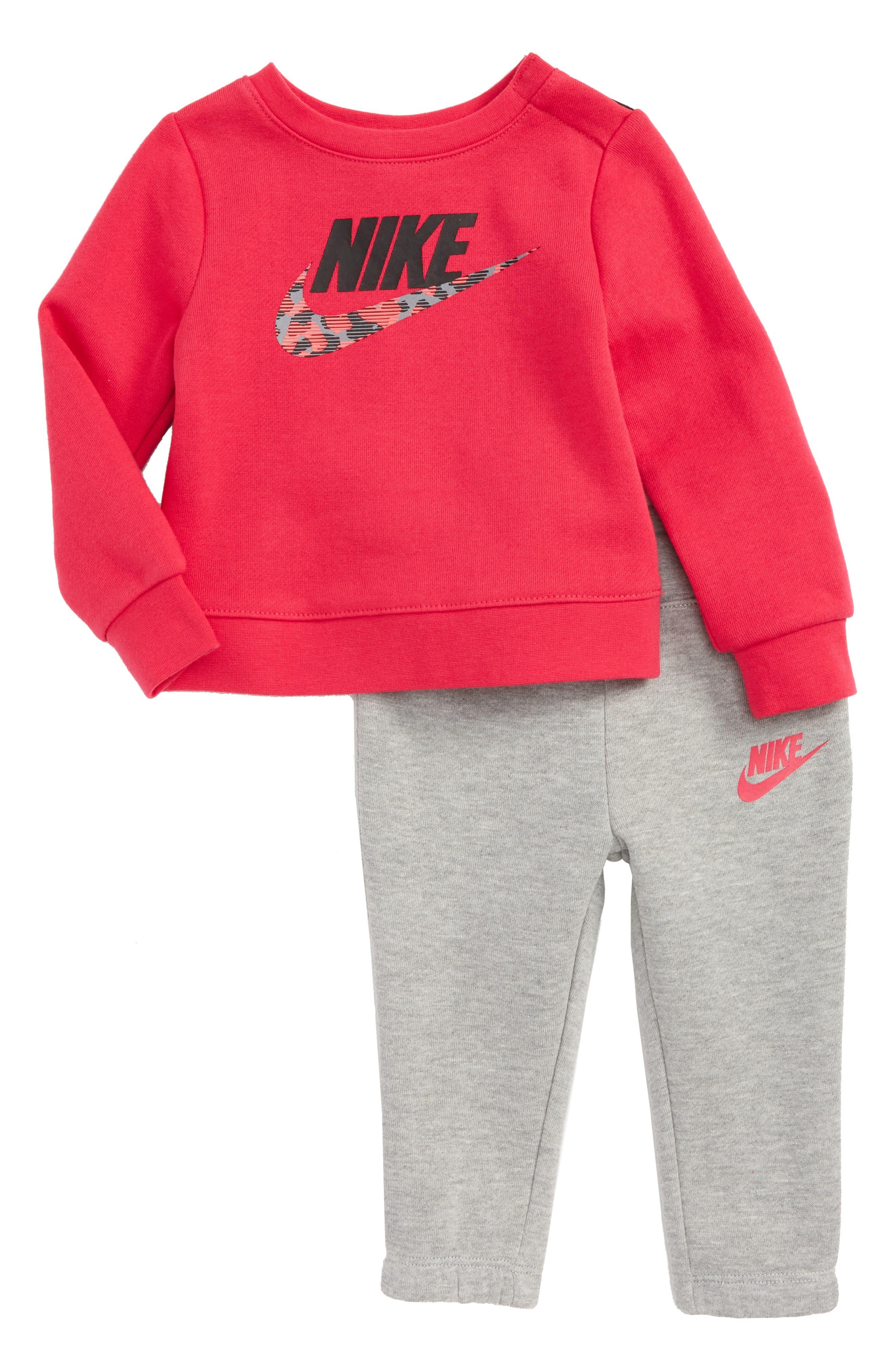 Nike Fleece Sweatshirt & Sweatpants Set (Baby Girls)