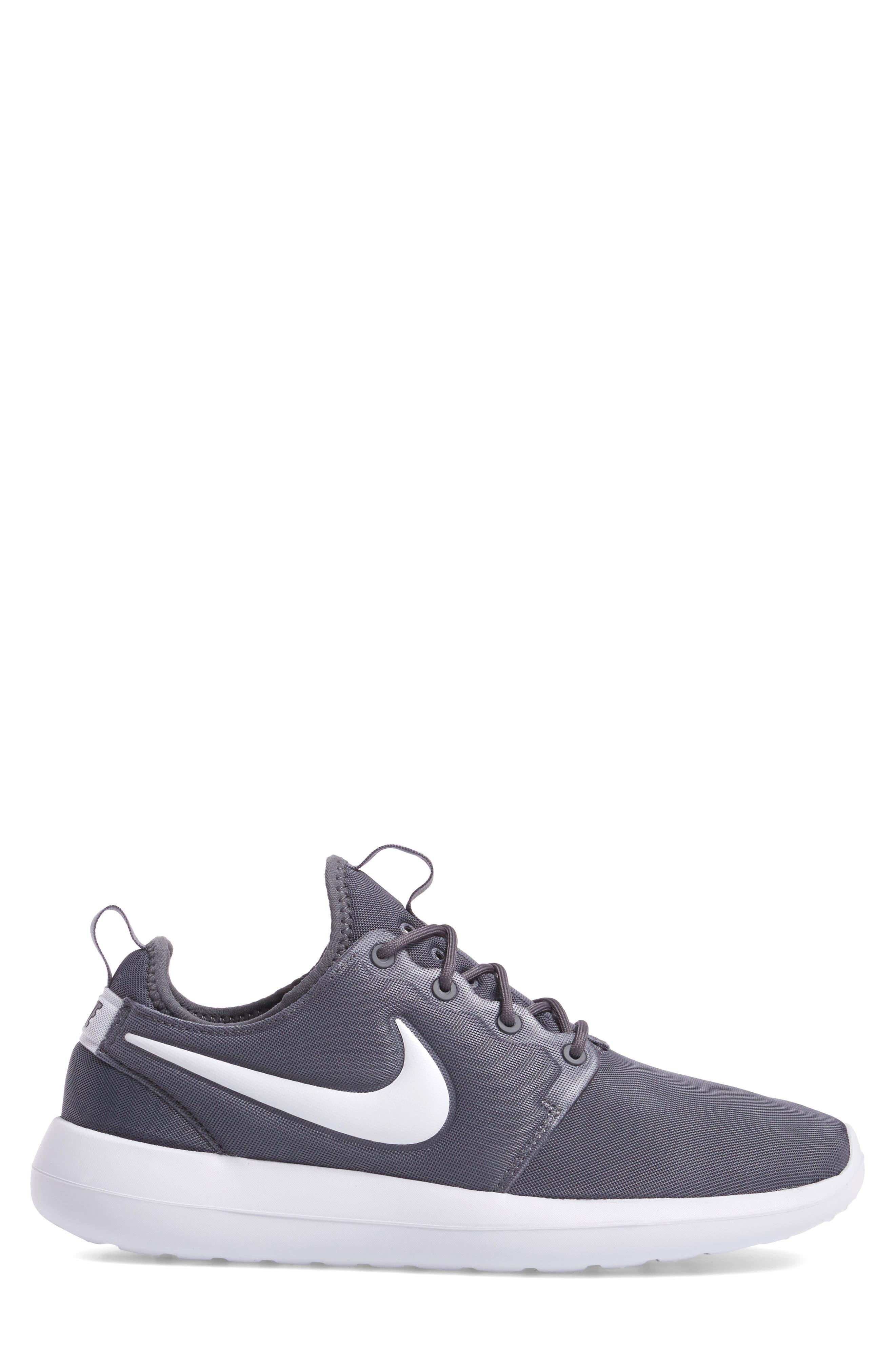 Alternate Image 3  - Nike Roshe Two Sneaker (Men)