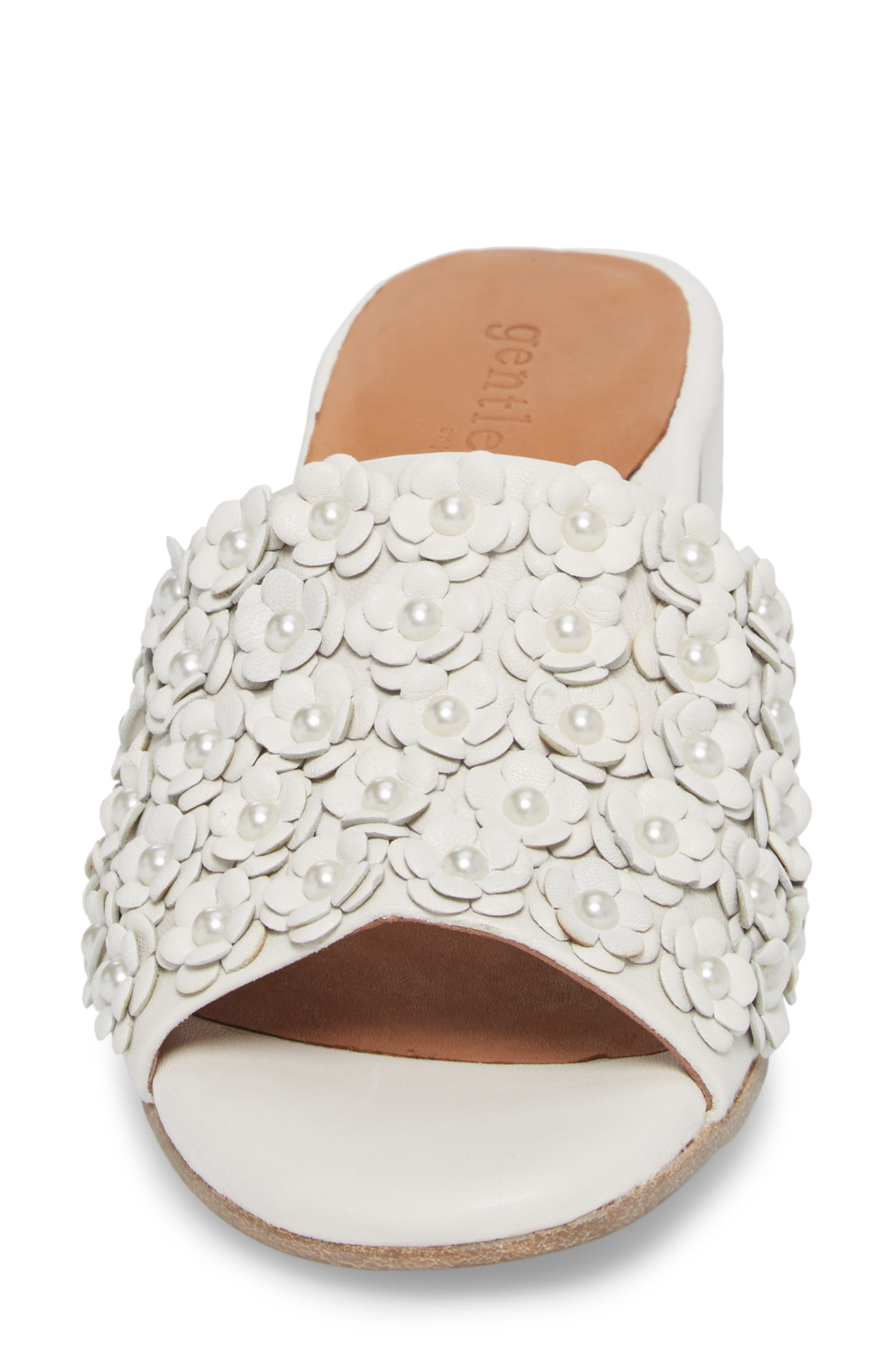 by Kenneth Cole Chantel Sandal,                             Alternate thumbnail 4, color,                             White Flowers Leather