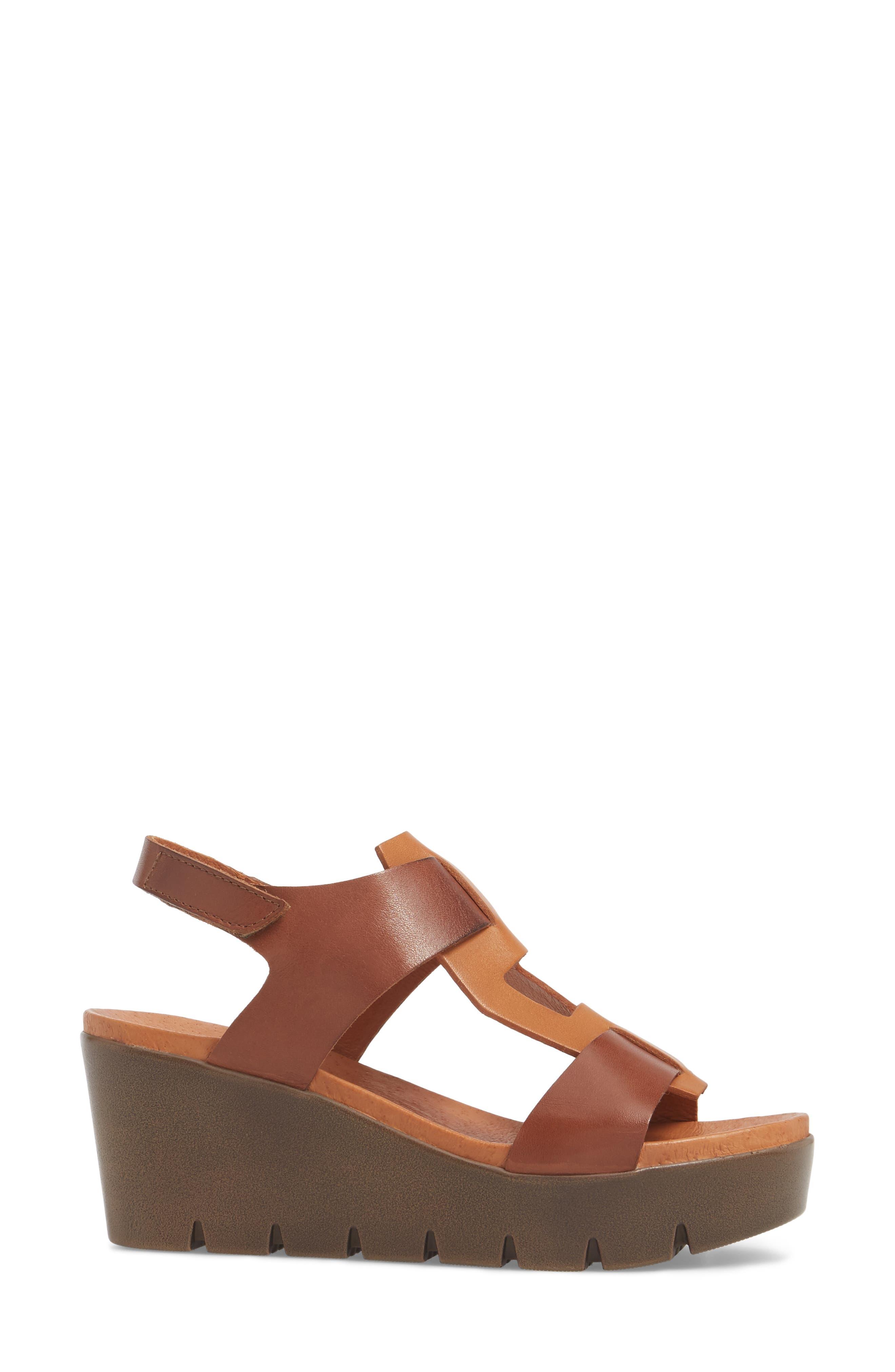 Somo Platform Wedge Sandal,                             Alternate thumbnail 3, color,                             Cognac/ Camel Leather