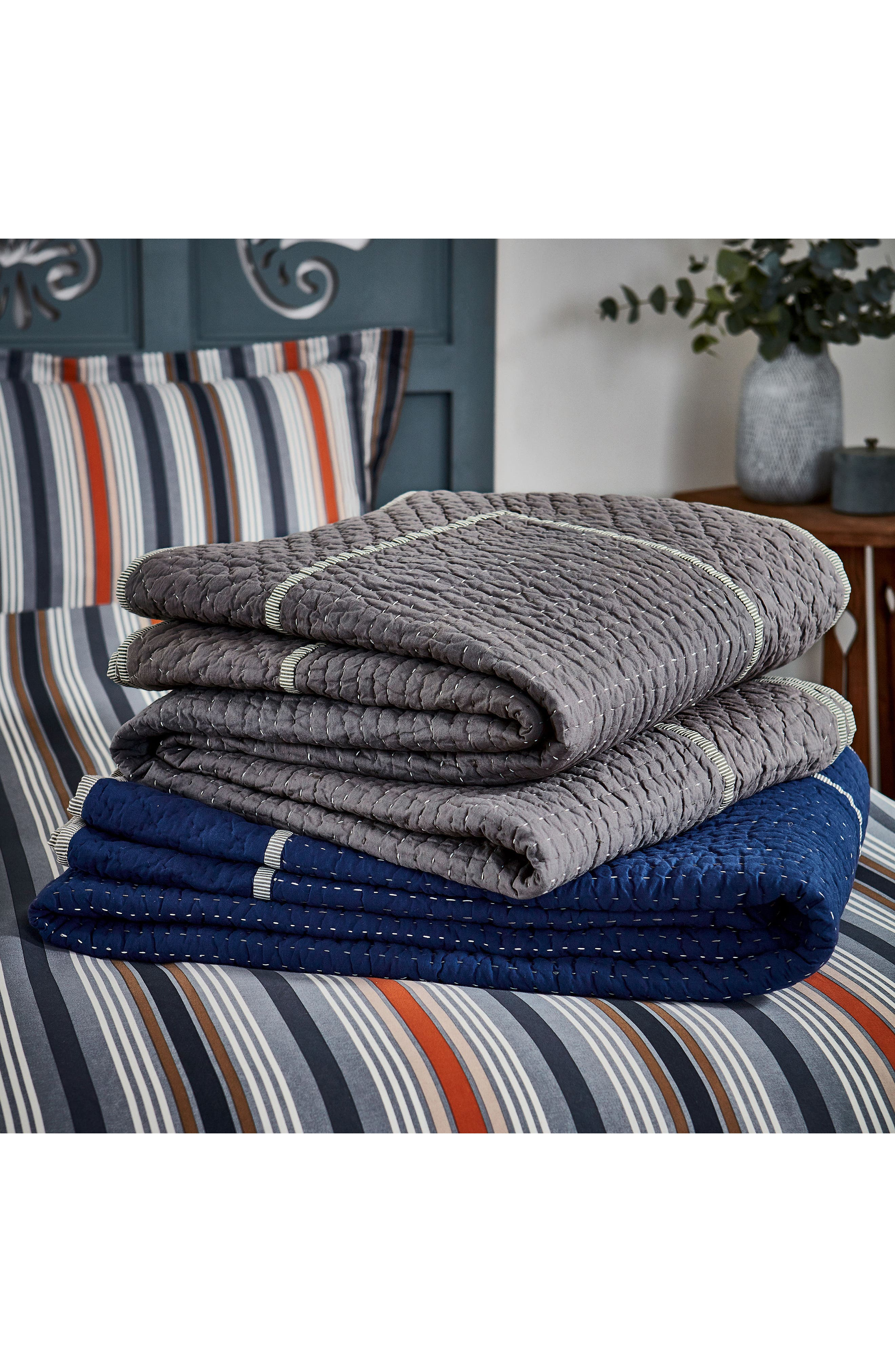 Ila Hand Stitched Kantha Quilt,                             Alternate thumbnail 4, color,                             Navy