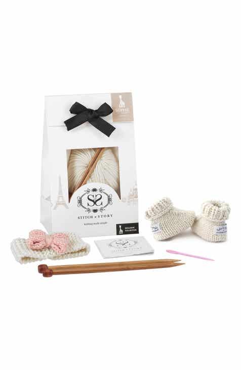 Sophie La Girafe Lily Bow & Booties Knitting Kit