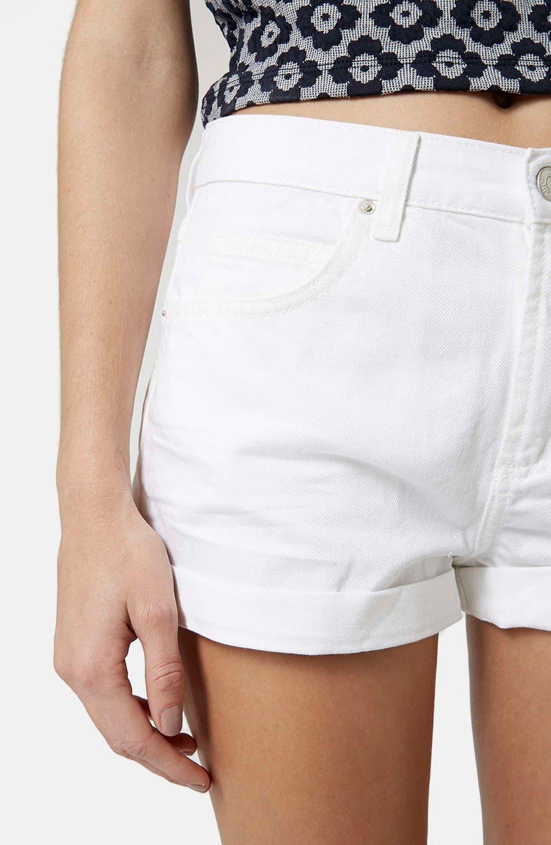 Alternate Image 4  - Topshop Moto 'Rosa' Cuffed Denim Shorts (White)