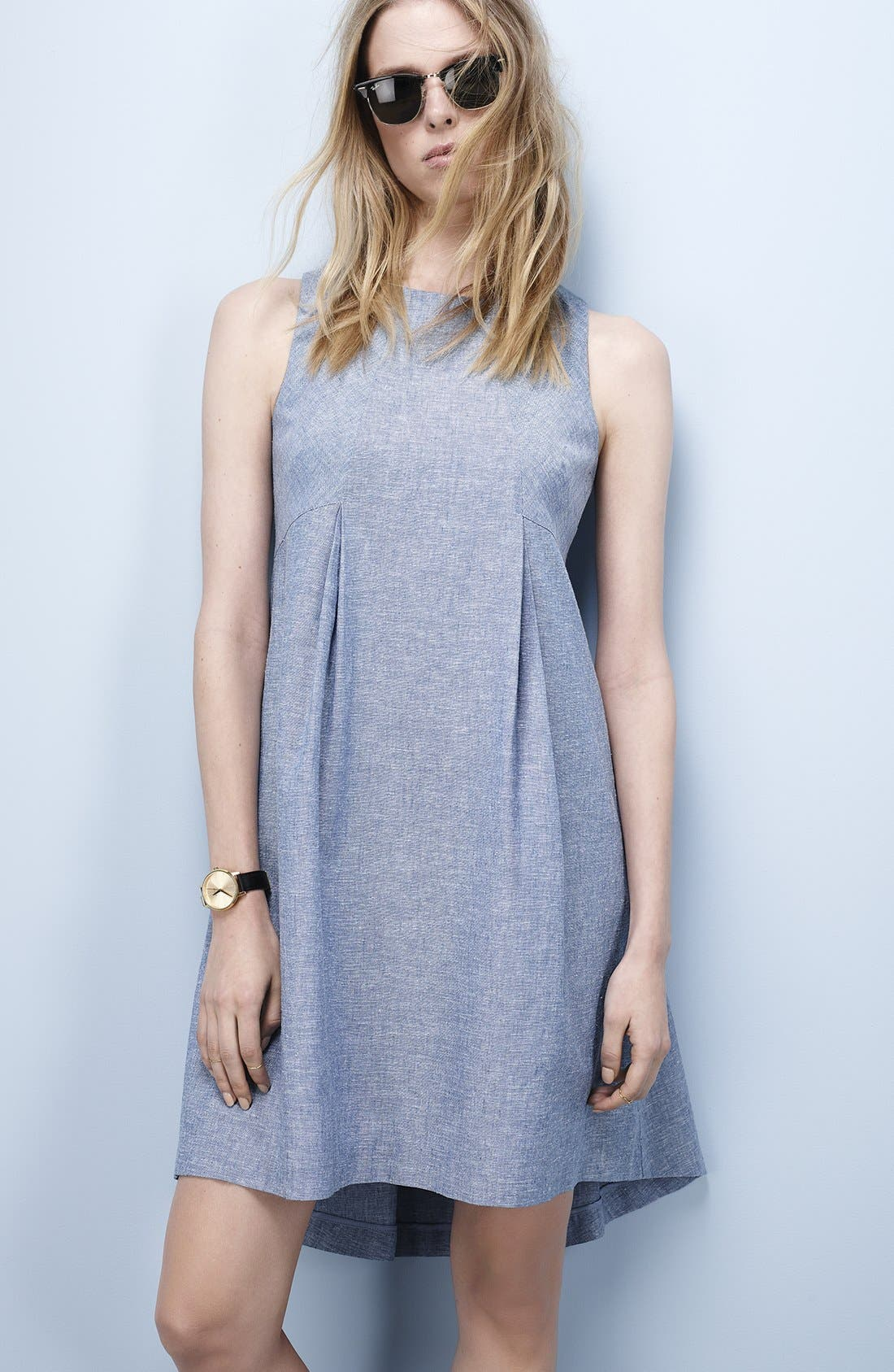 Donna Morgan Trapeze Dress & Accessories
