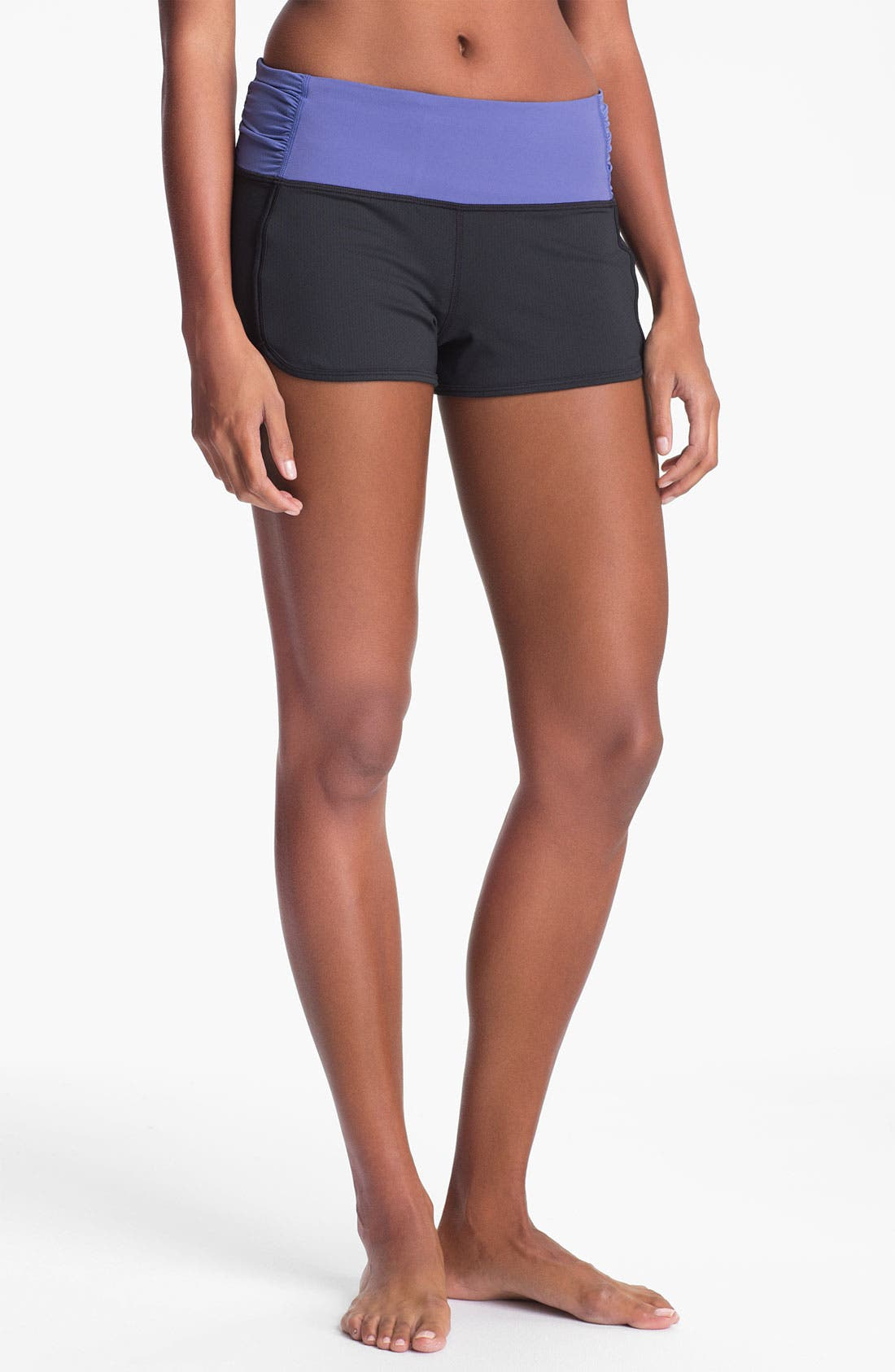 Alternate Image 1 Selected - Under Armour 'Hot Class' Shorts
