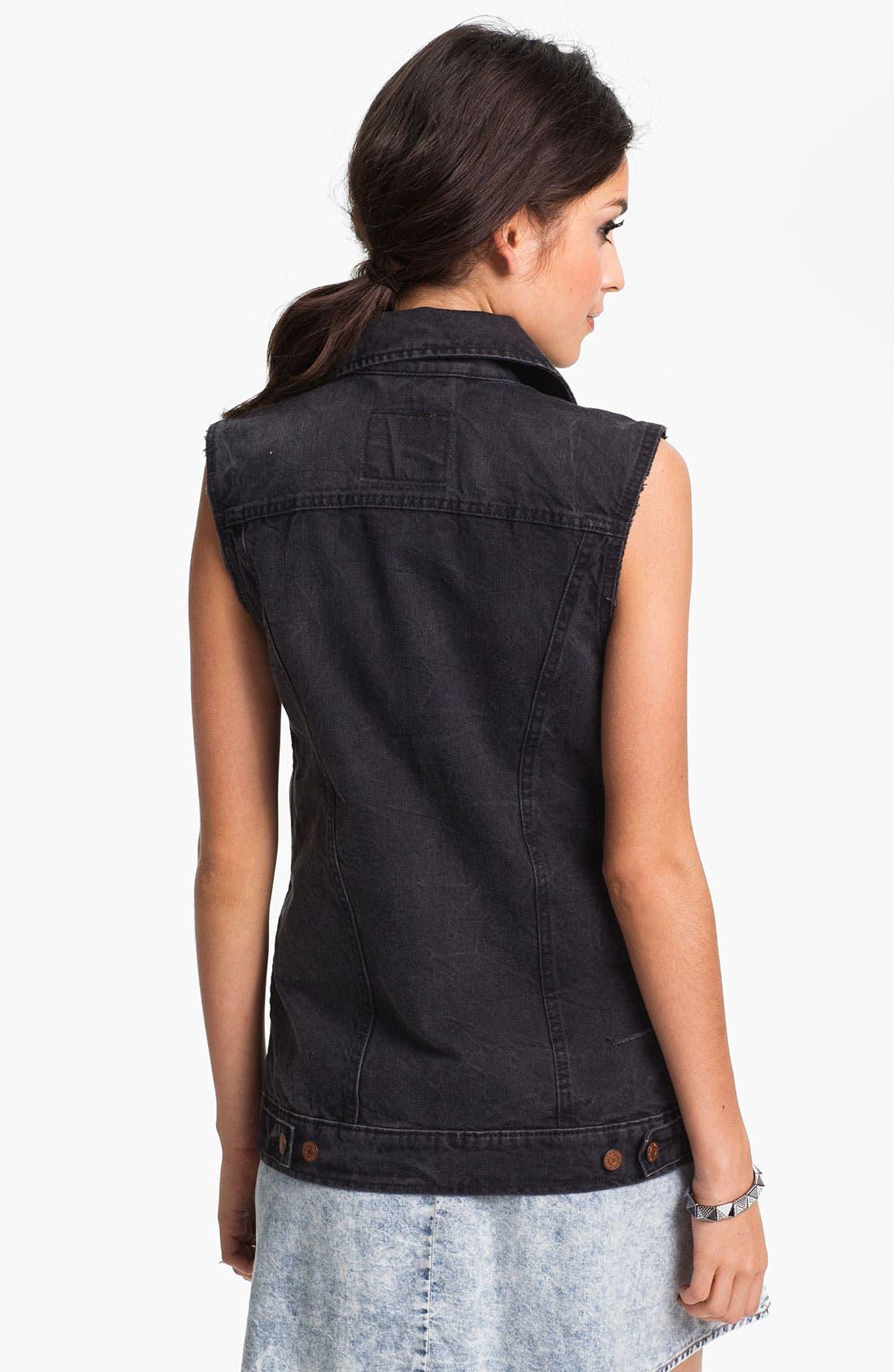 Alternate Image 2  - Levi's® Cutoff Denim Vest