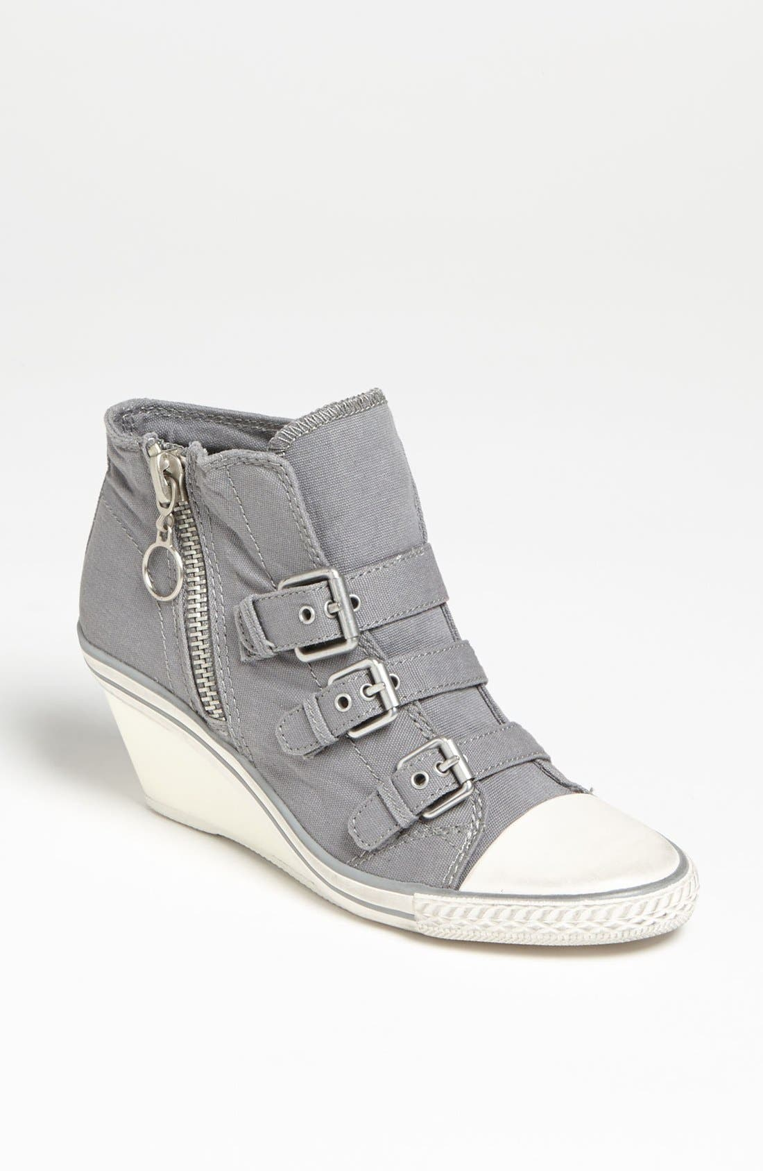Alternate Image 1 Selected - Ash 'Gin' Bootie