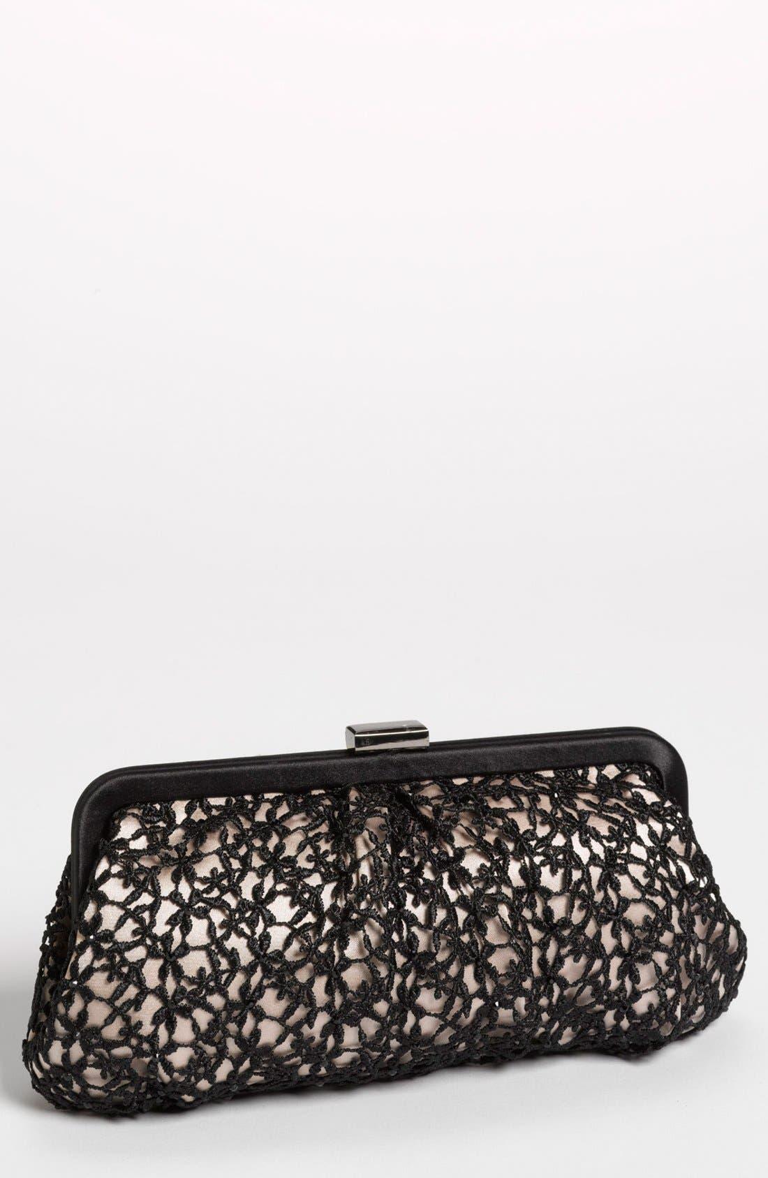 Menbur 'Crochet Floral' Clutch