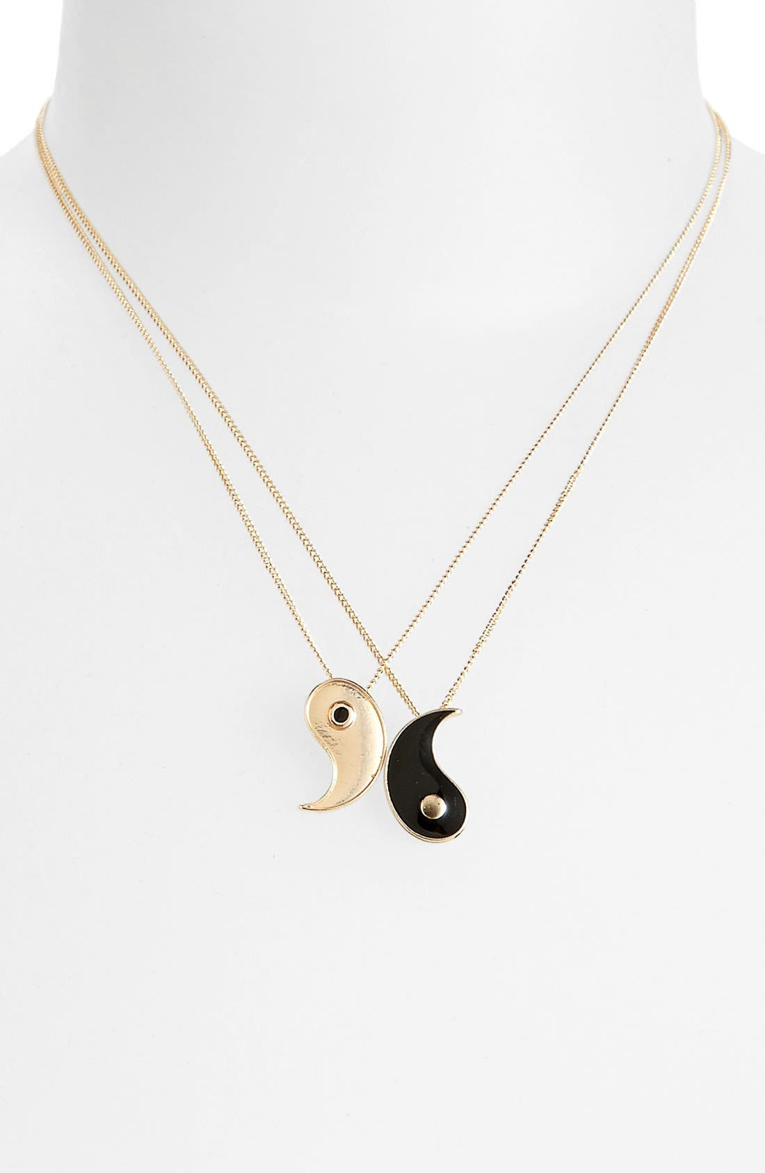 Main Image - Topshop Yin Yang Necklaces (Set of 2)
