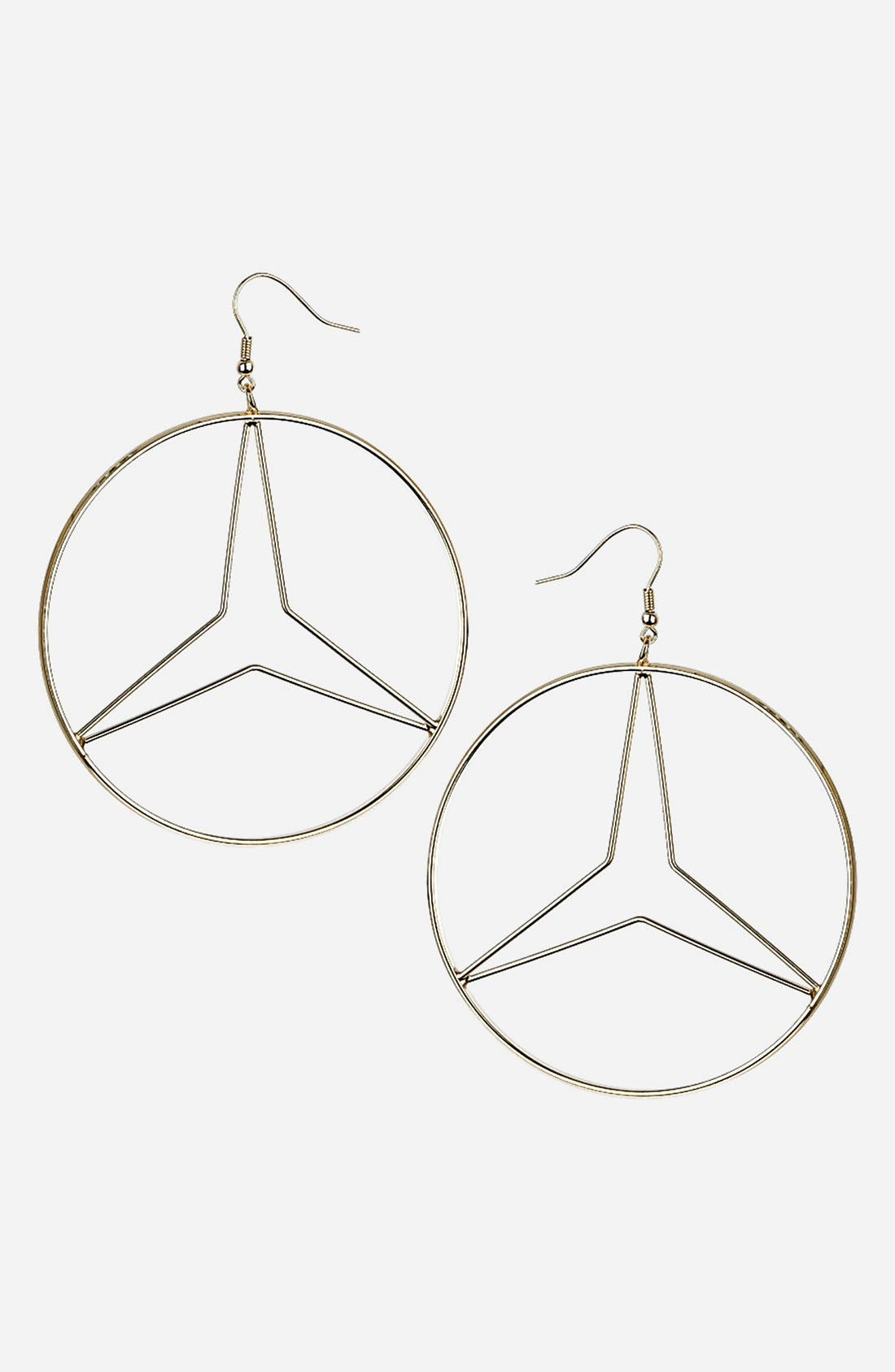 Main Image - Topshop Round Hoop Earrings
