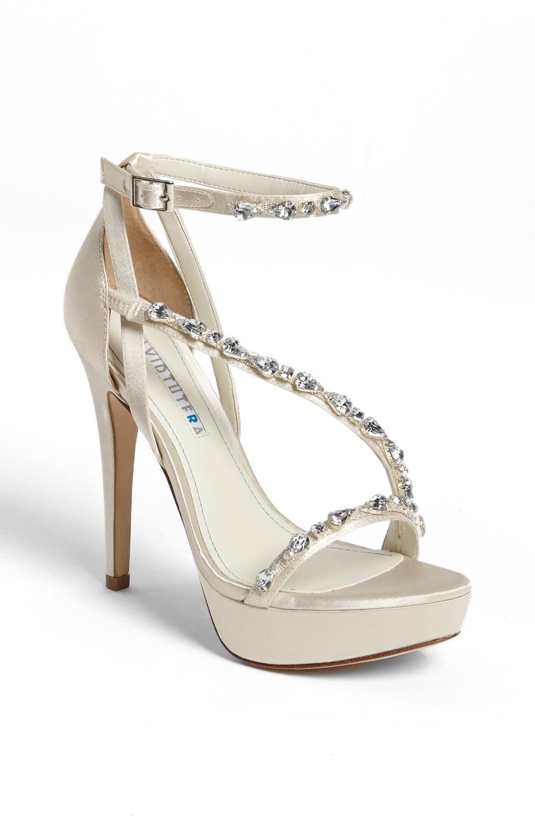 Alternate Image 1 Selected - David Tutera 'Cascade' Pump (Online Only)