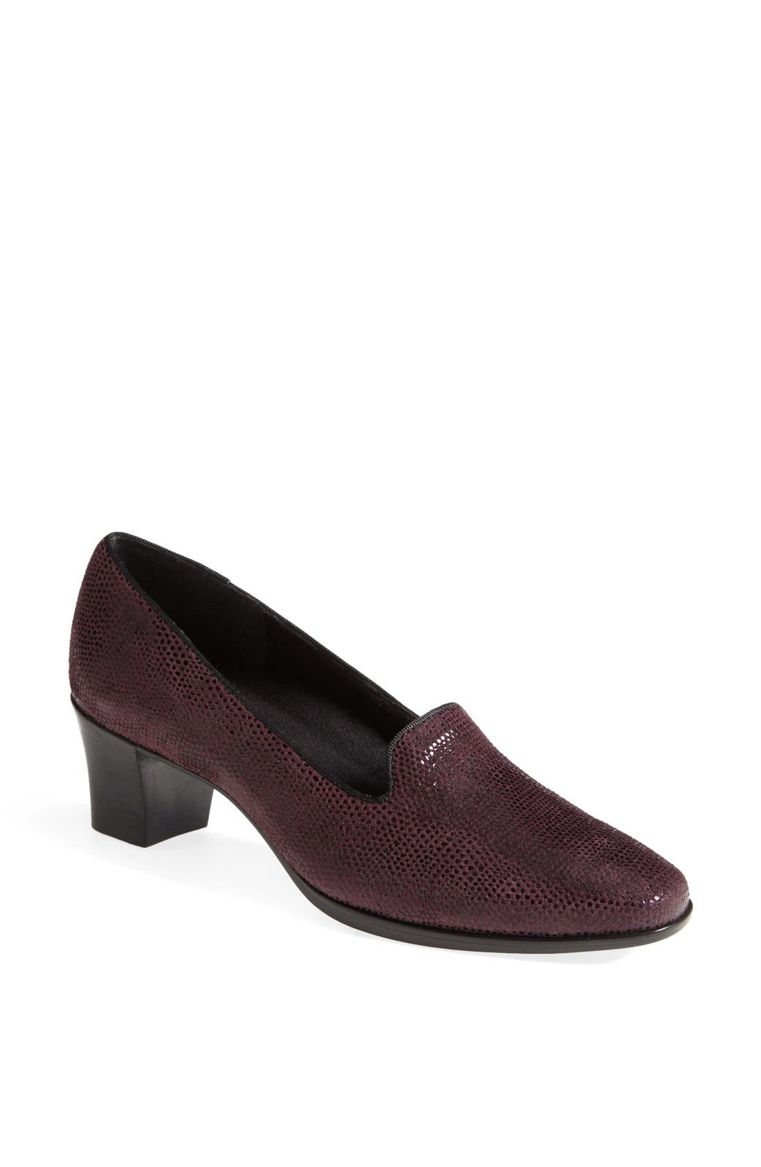 Alternate Image 1 Selected - Munro 'Layla' Pump (Women)