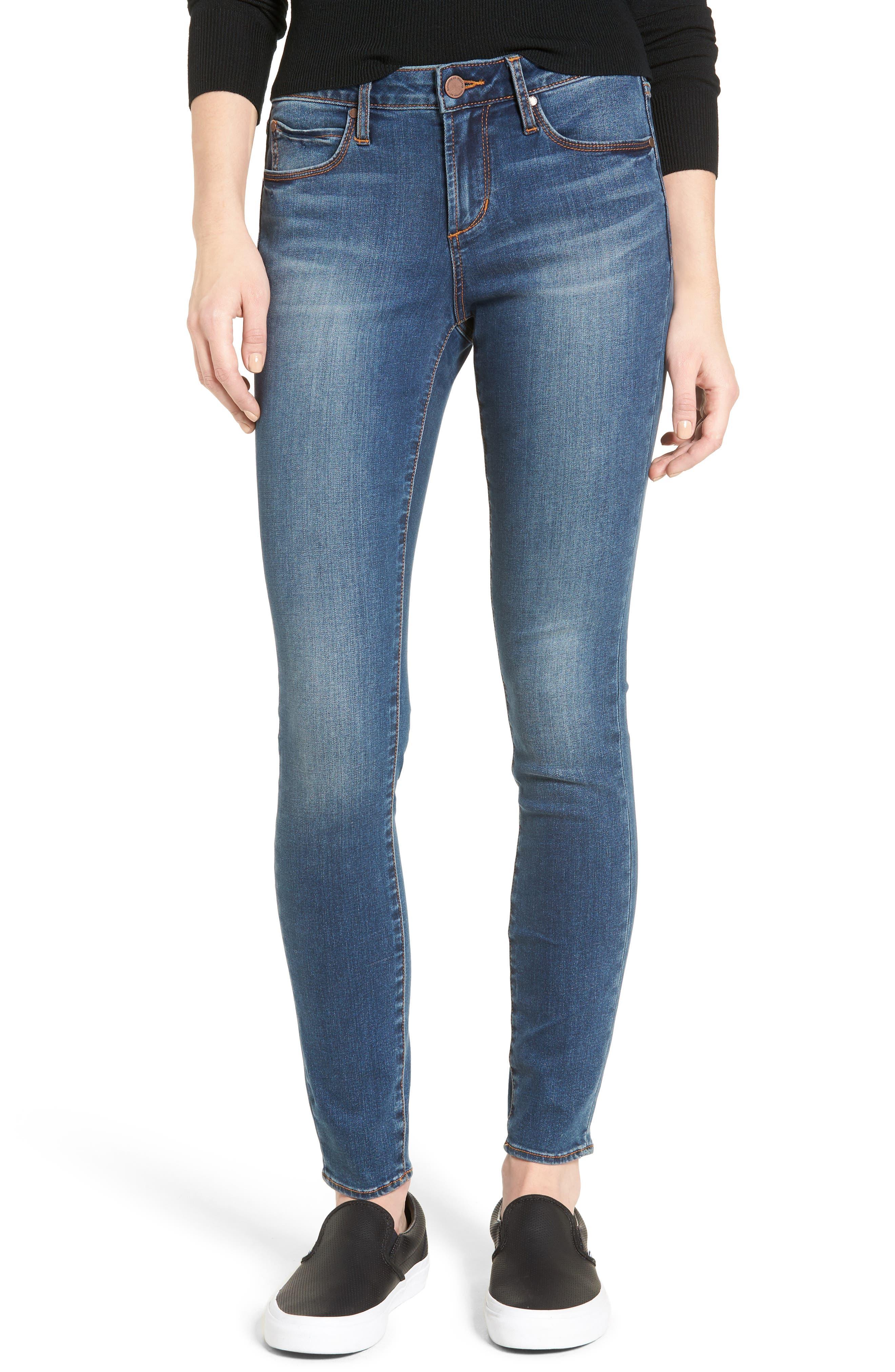 Main Image - Articles of Society Sarah Skinny Jeans (Bancroft)