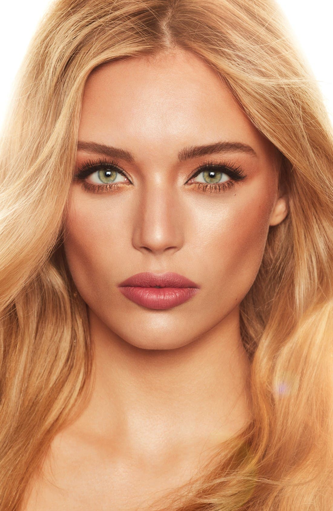Alternate Image 2  - Charlotte Tilbury Dreamy Look in a Clutch Collection