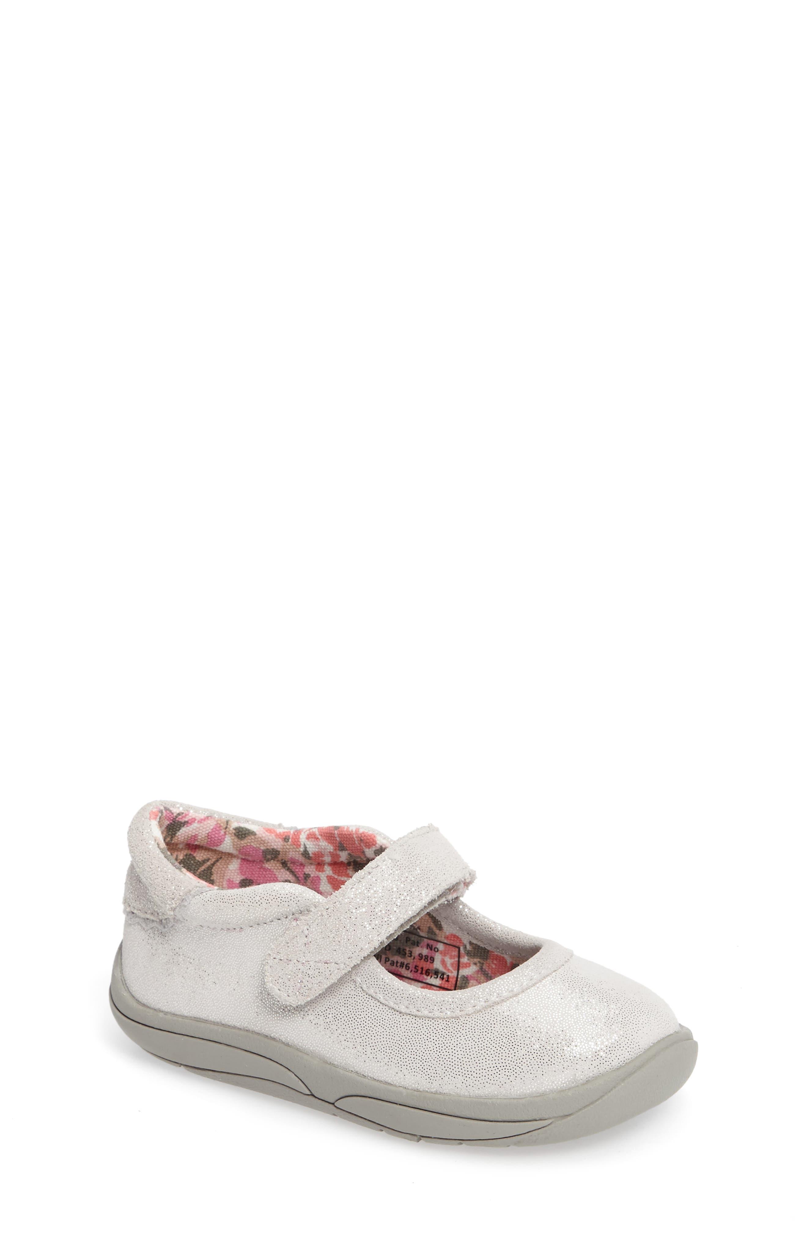 TUCKER + TATE Ella Shimmery Mary Jane Sneaker