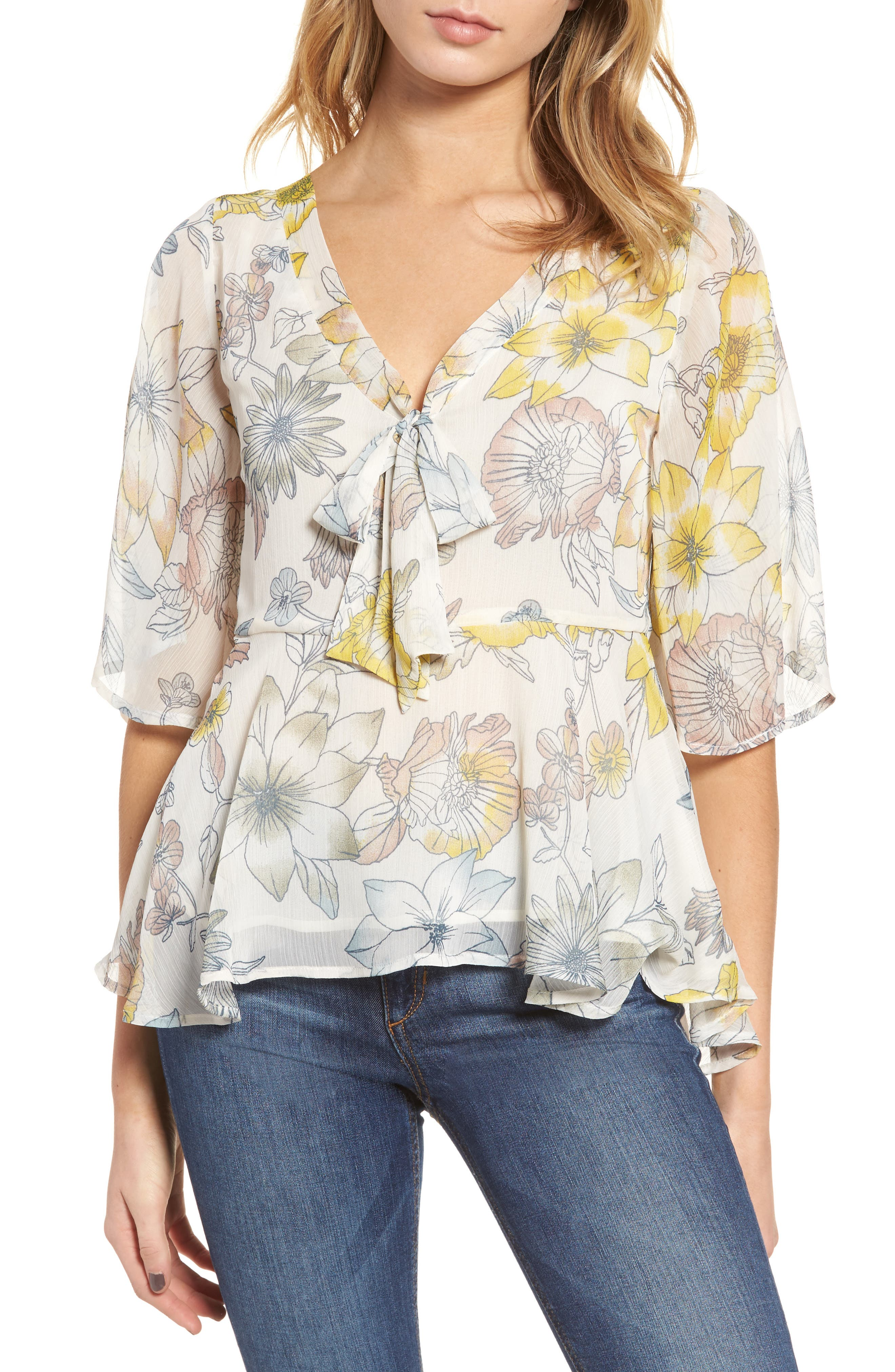 cupcakes and cashmere Keenan Floral Blouse