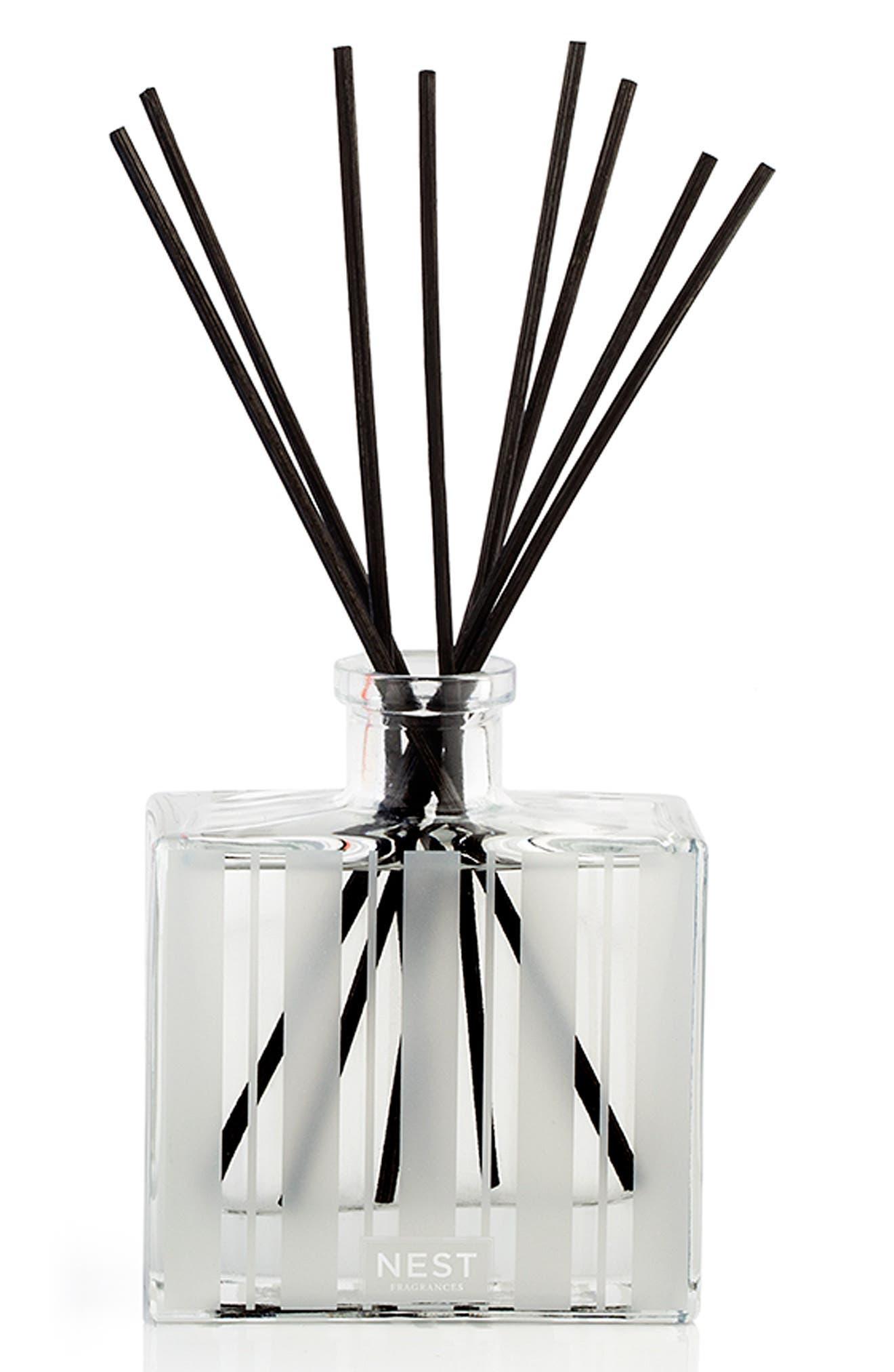 Alternate Image 2  - NEST Fragrances Bamboo & Grapefruit Reed Diffuser Duo ($84 Value)