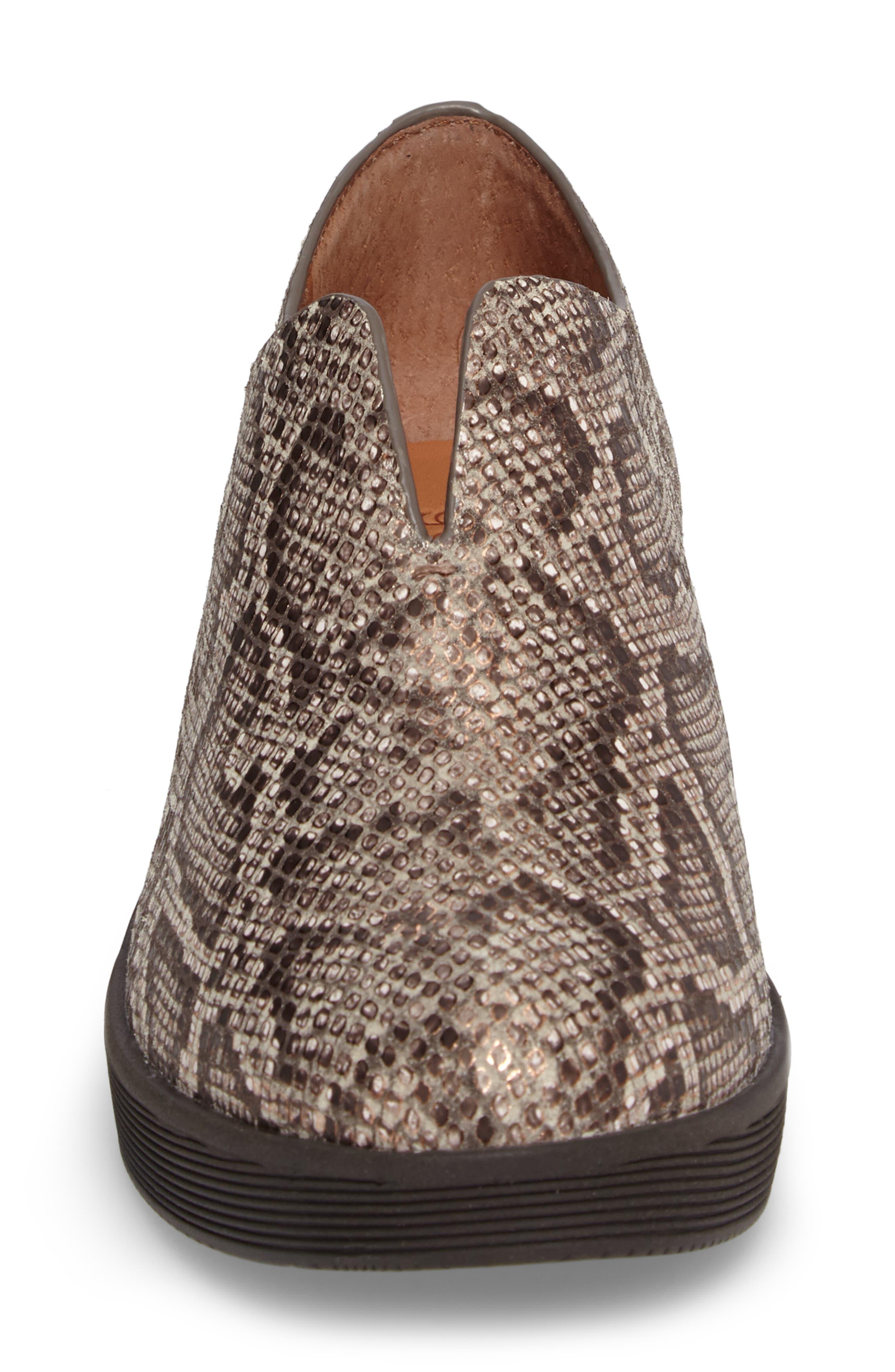 Hanna Slip-On Sneaker,                             Alternate thumbnail 4, color,                             Rose Gold Leather