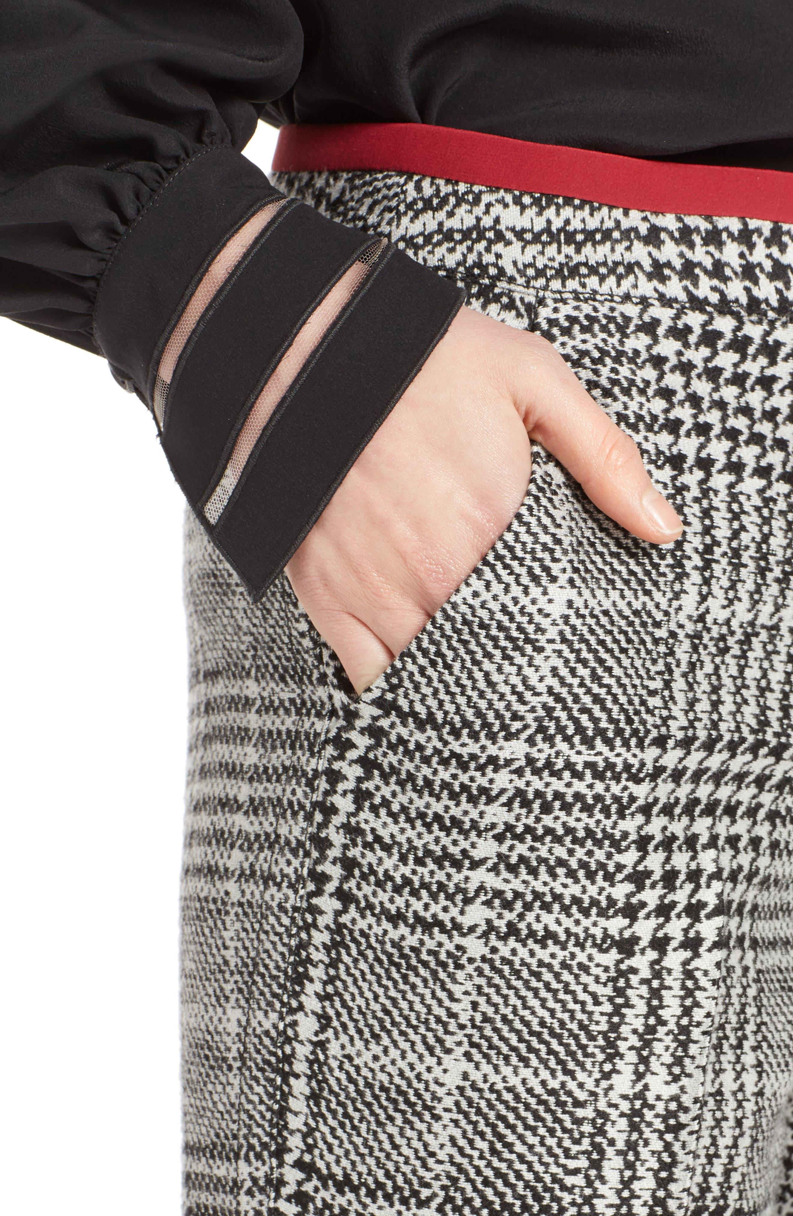 Prince of Wales Print Crop Pants,                             Alternate thumbnail 4, color,                             Black/ White