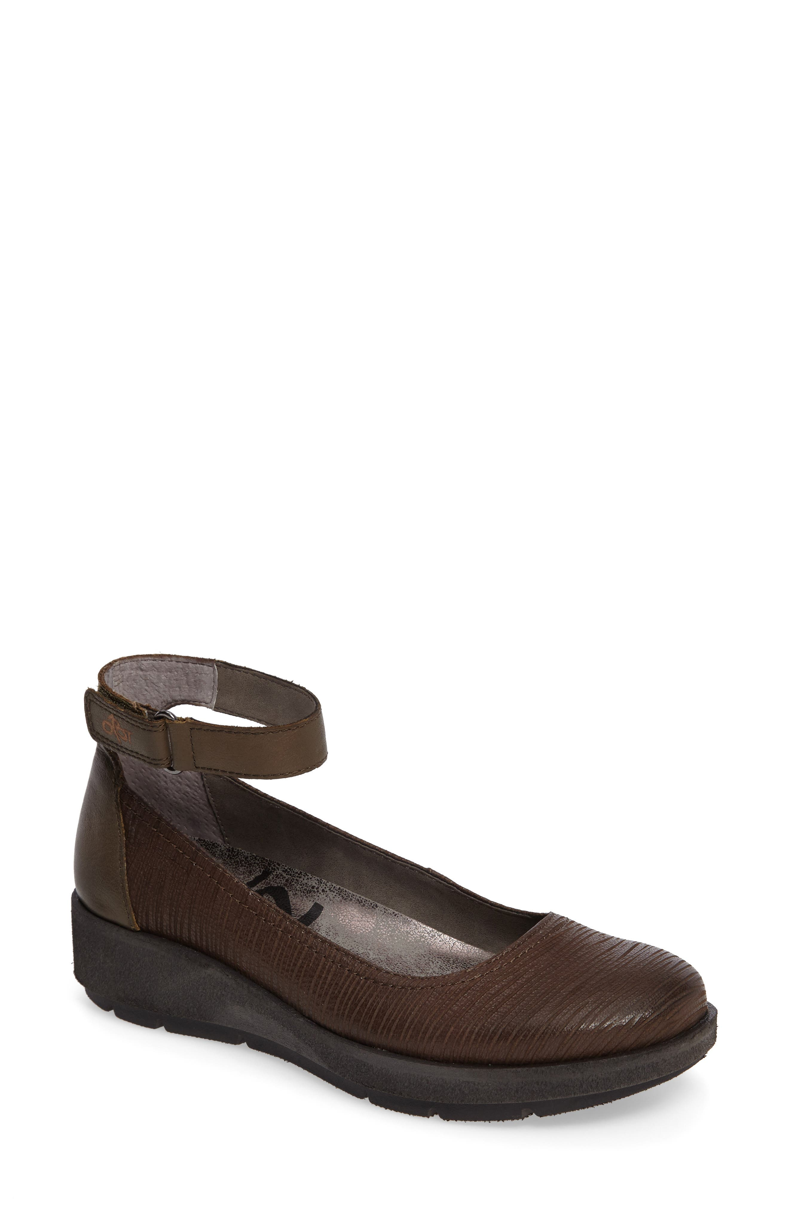 OTBT Scamper Ankle Strap Wedge (Women)
