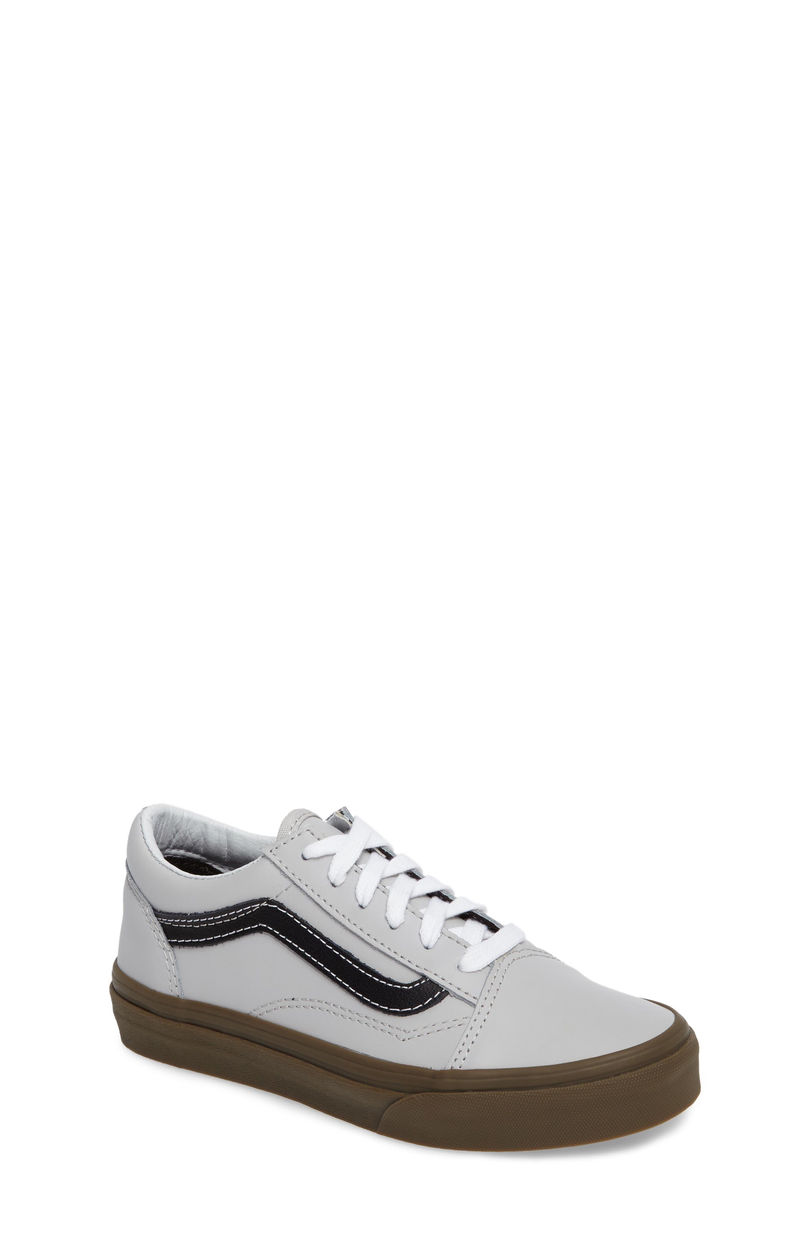 Old Skool Sneaker,                         Main,                         color, Bleacher Gray/ Black/ Gum