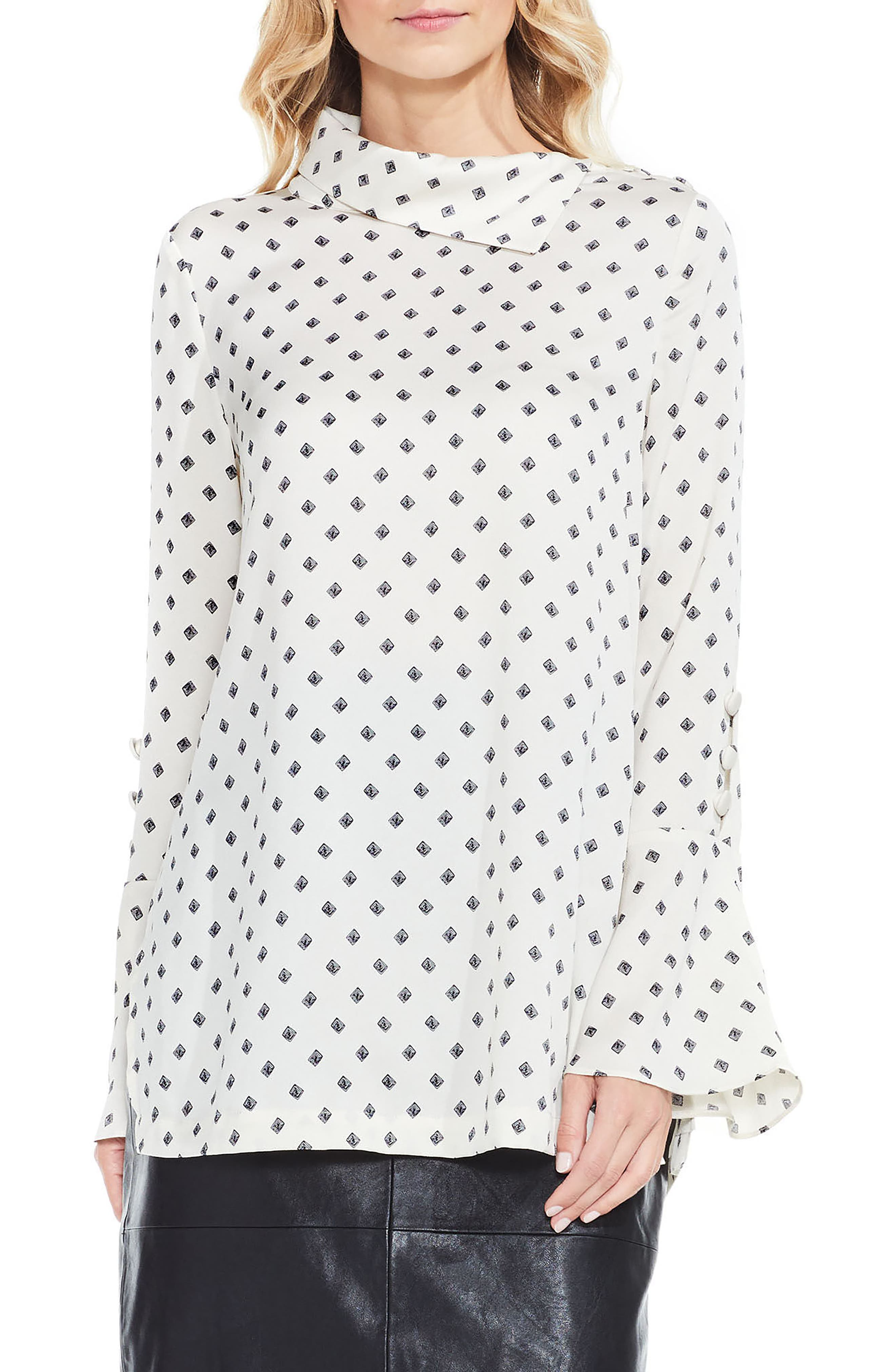 VINCE CAMUTO Diamond Heirlooms Flutter Cuff Tunic