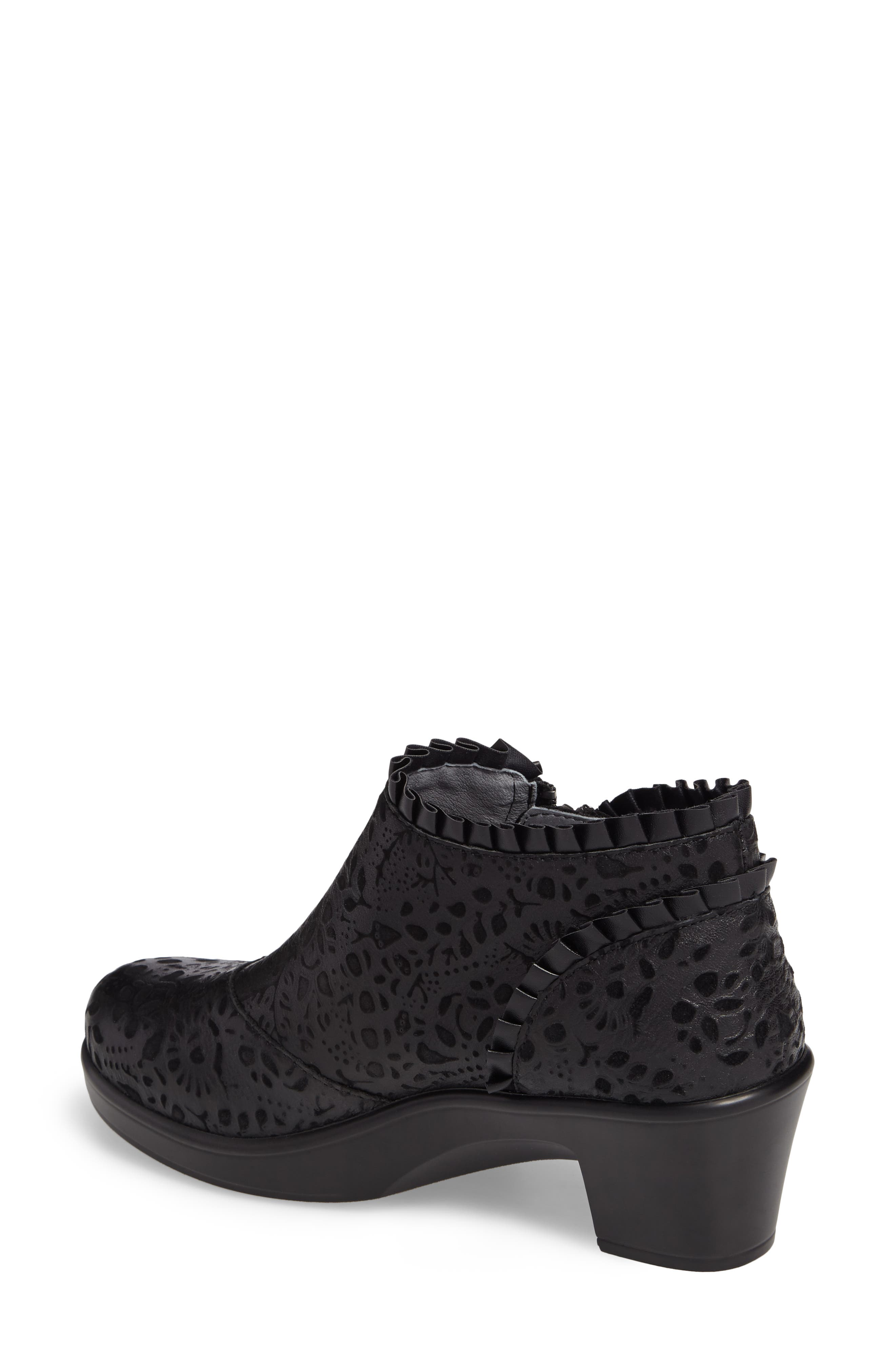 'Hannah' Saddle Boot,                             Alternate thumbnail 2, color,                             Delicut Leather