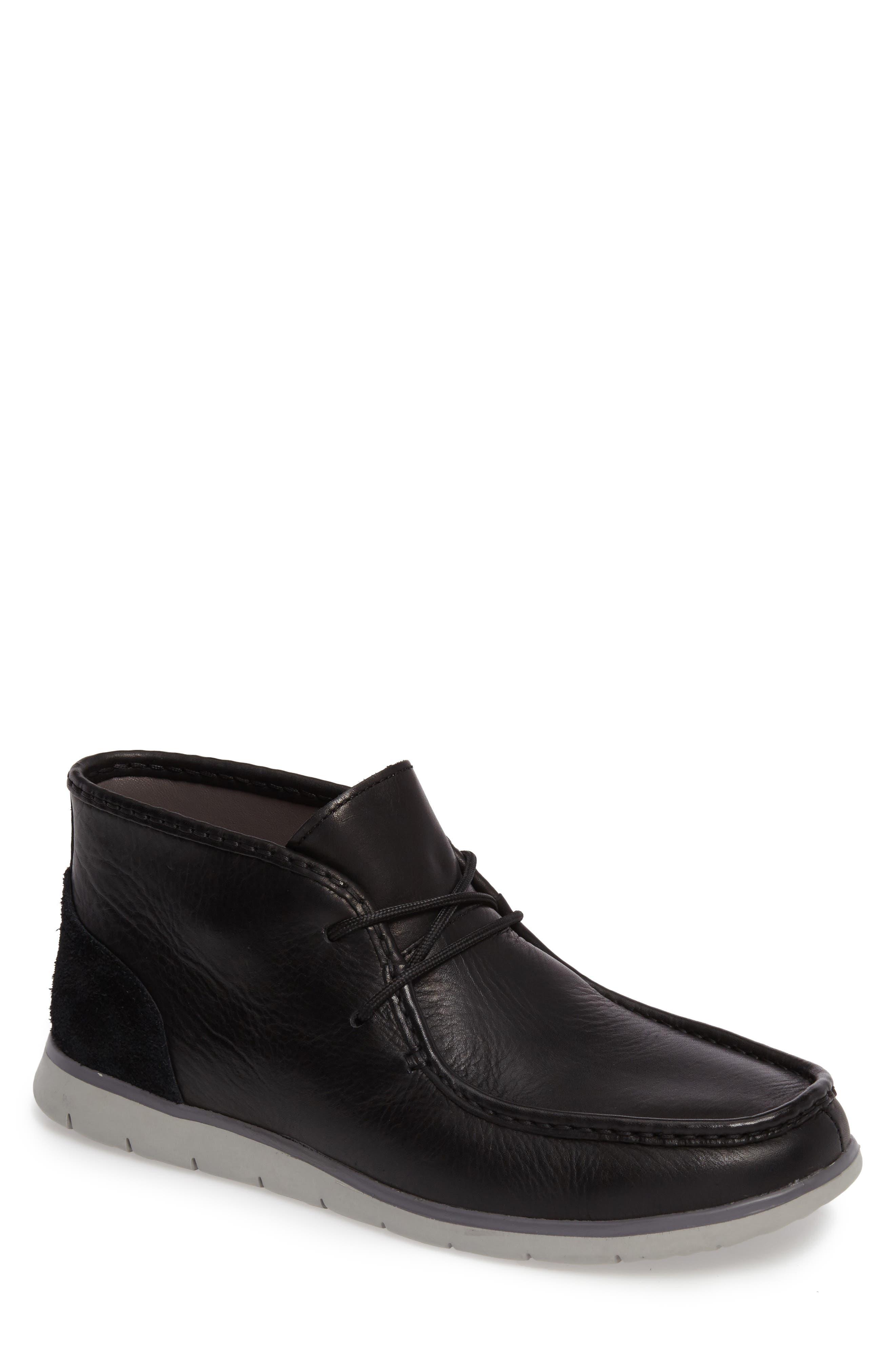 UGG® 'Hendrickson' Chukka Boot (Men)