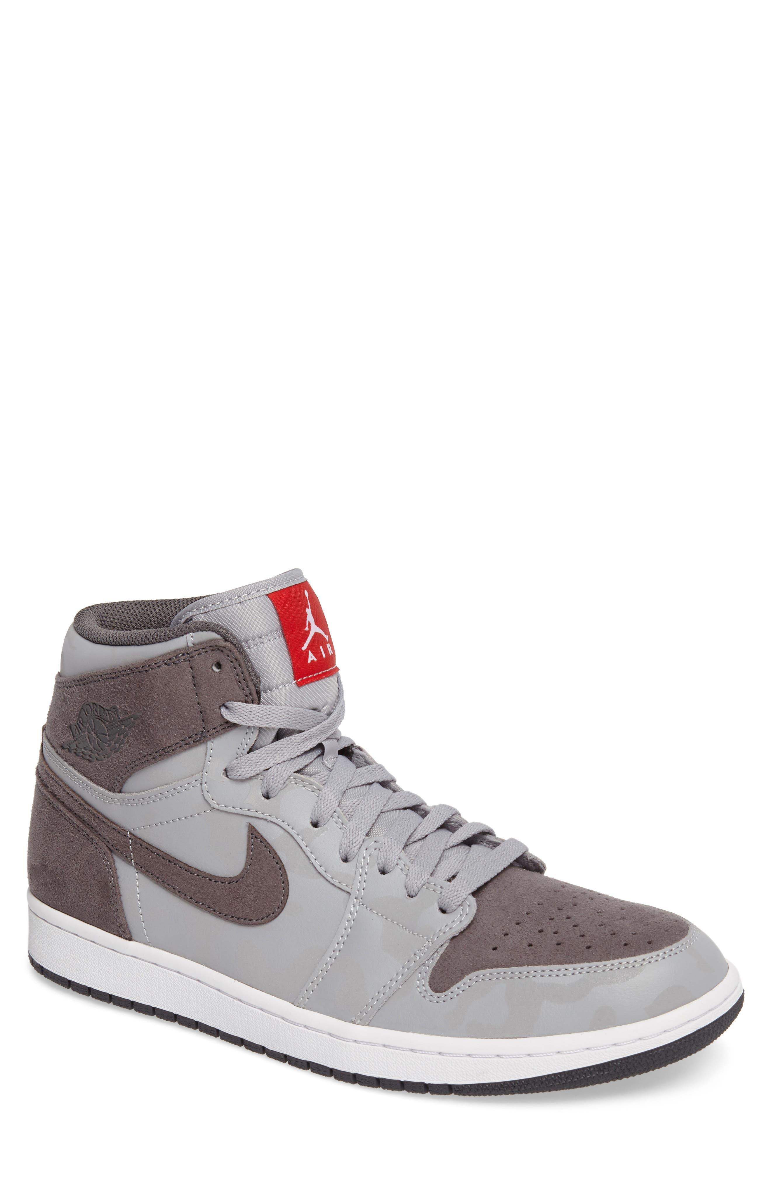 Nike Air Jordan 1 Retro High Top Sneaker (Men)
