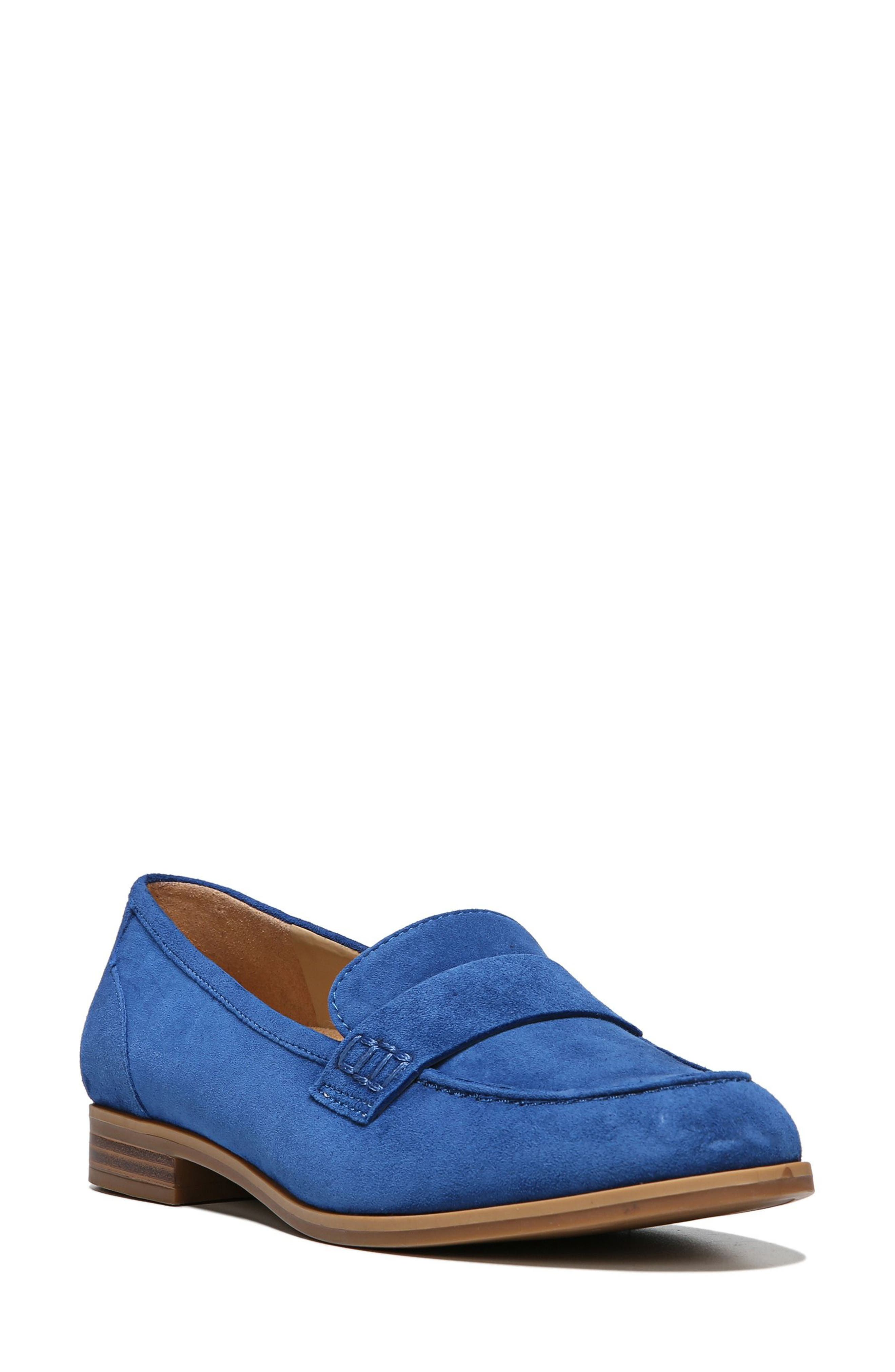 Naturalizer Veronica Loafer (Women)