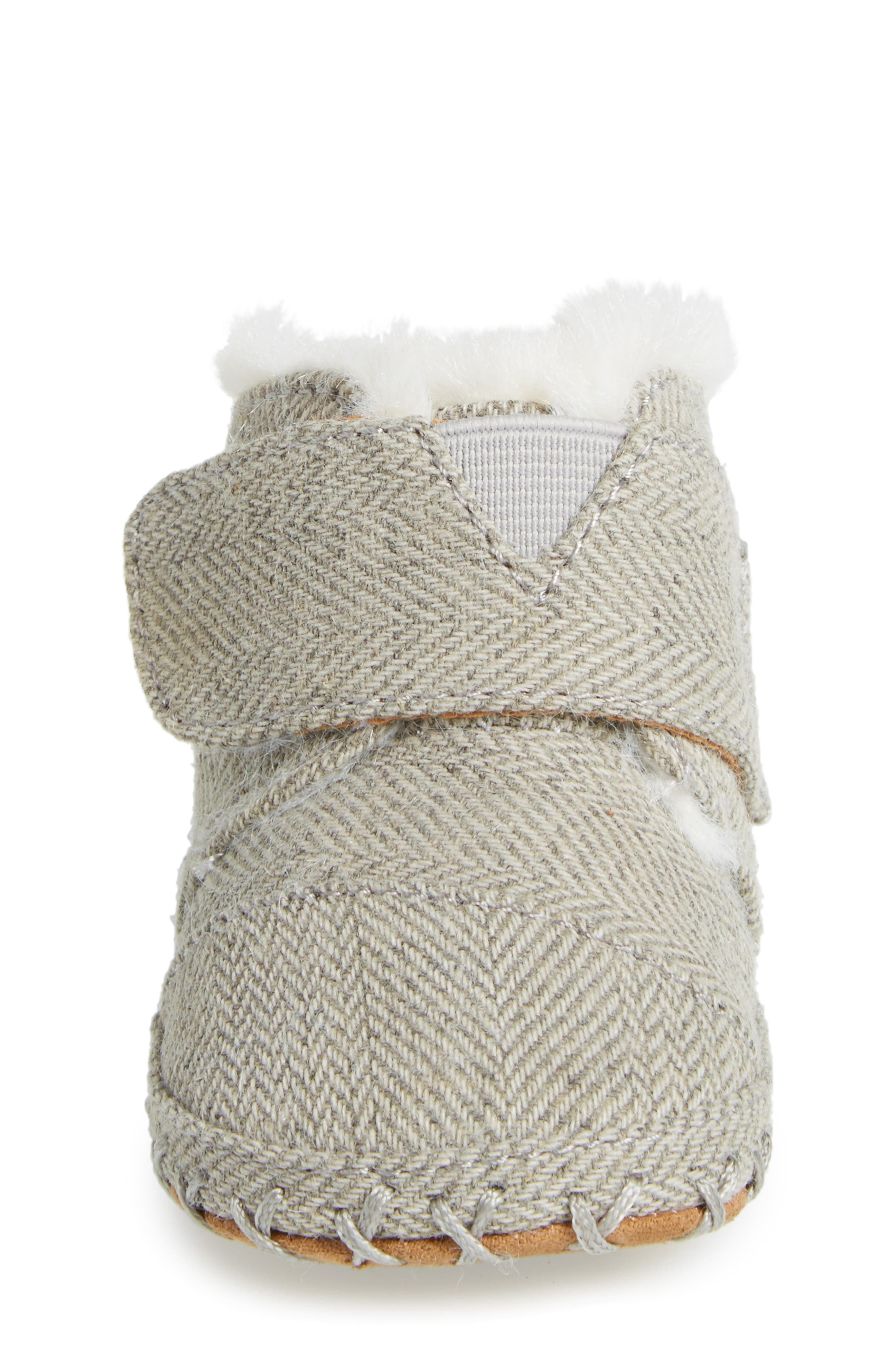 Alternate Image 4  - TOMS Tiny Cuna Faux Fur Crib Bootie (Baby)