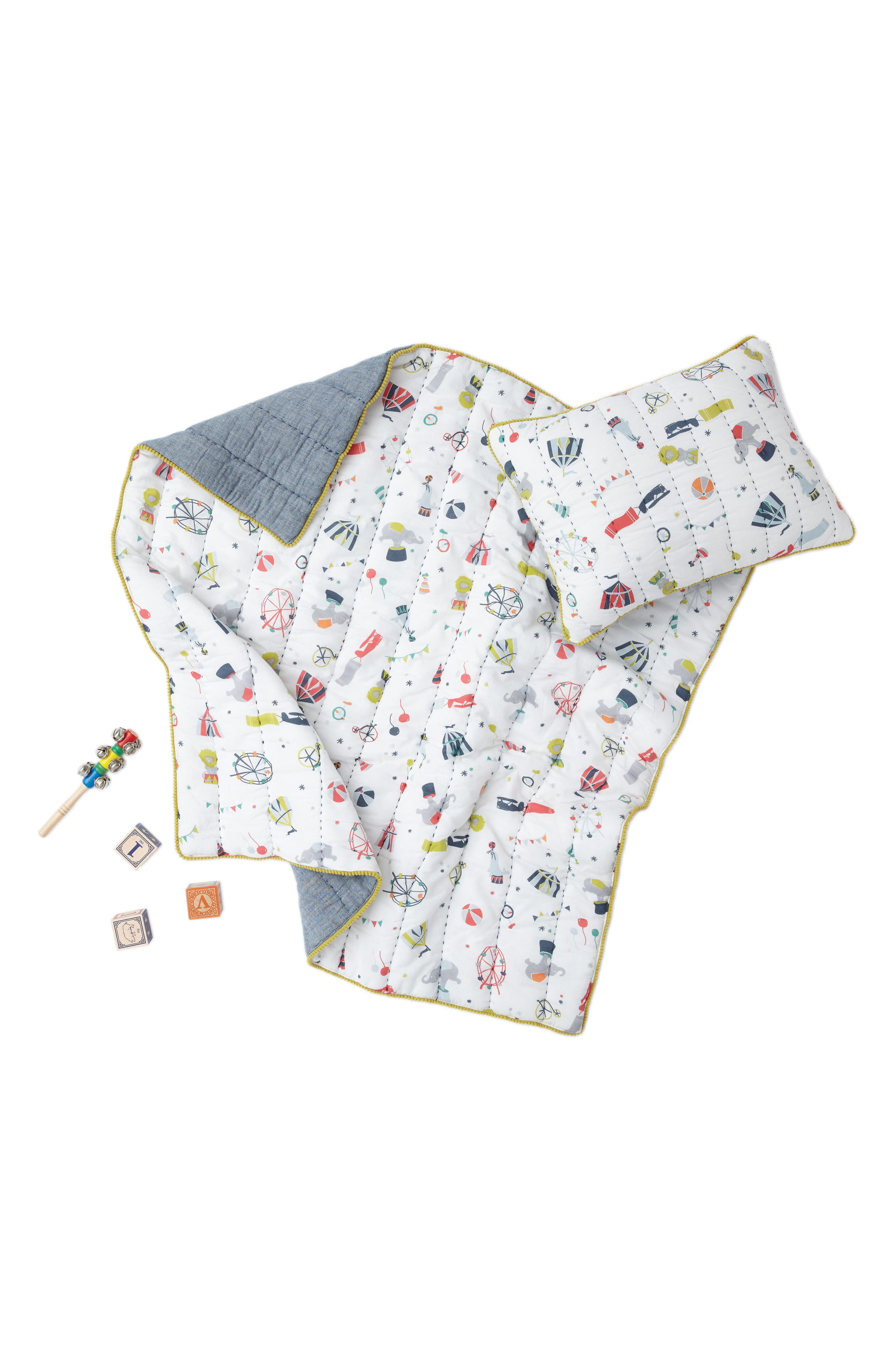 Petit Pehr Big Top Print Quilt