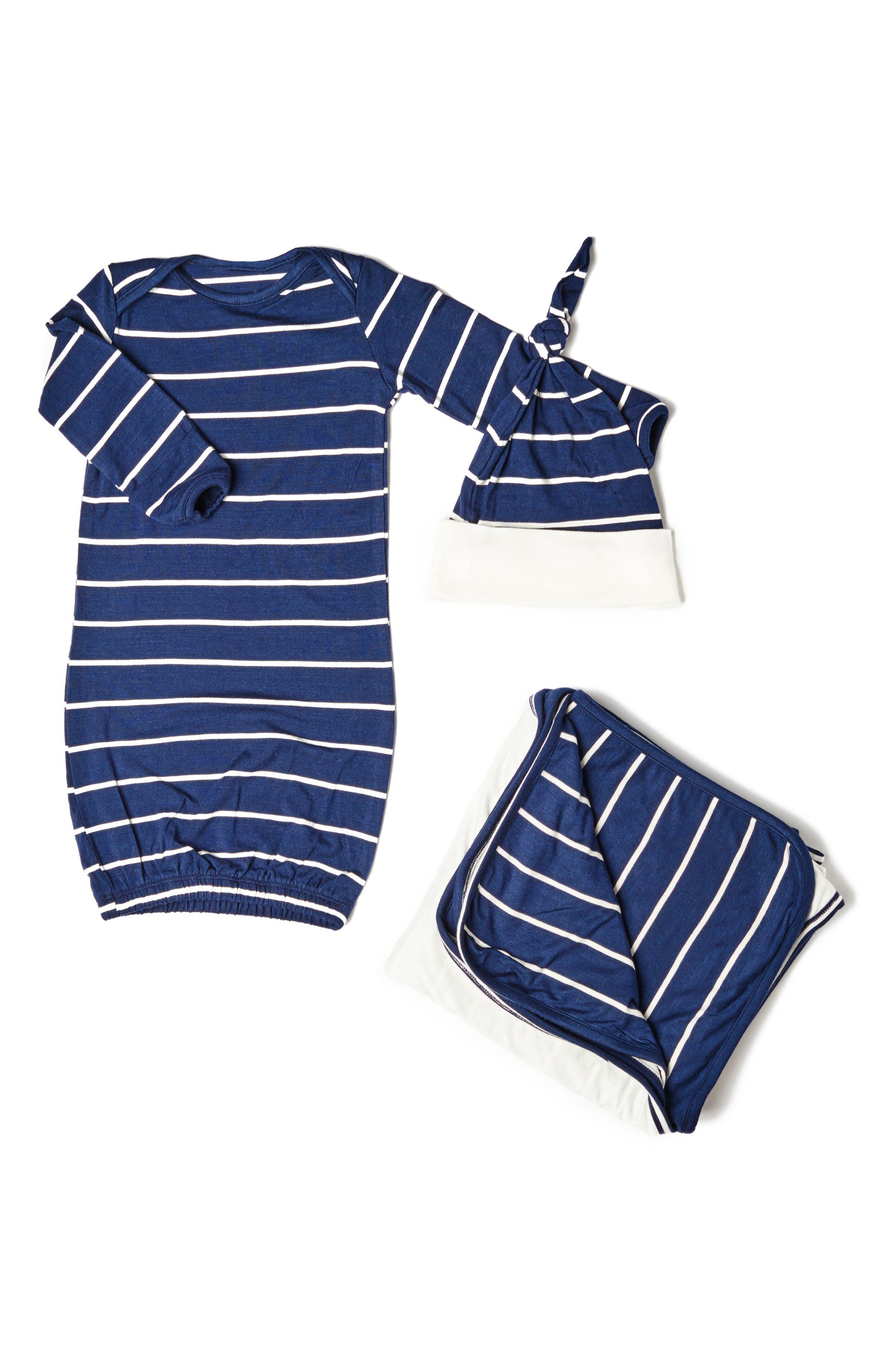 Alternate Image 1 Selected - Baby Grey Gown, Blanket & Hat Set (Baby Boys)
