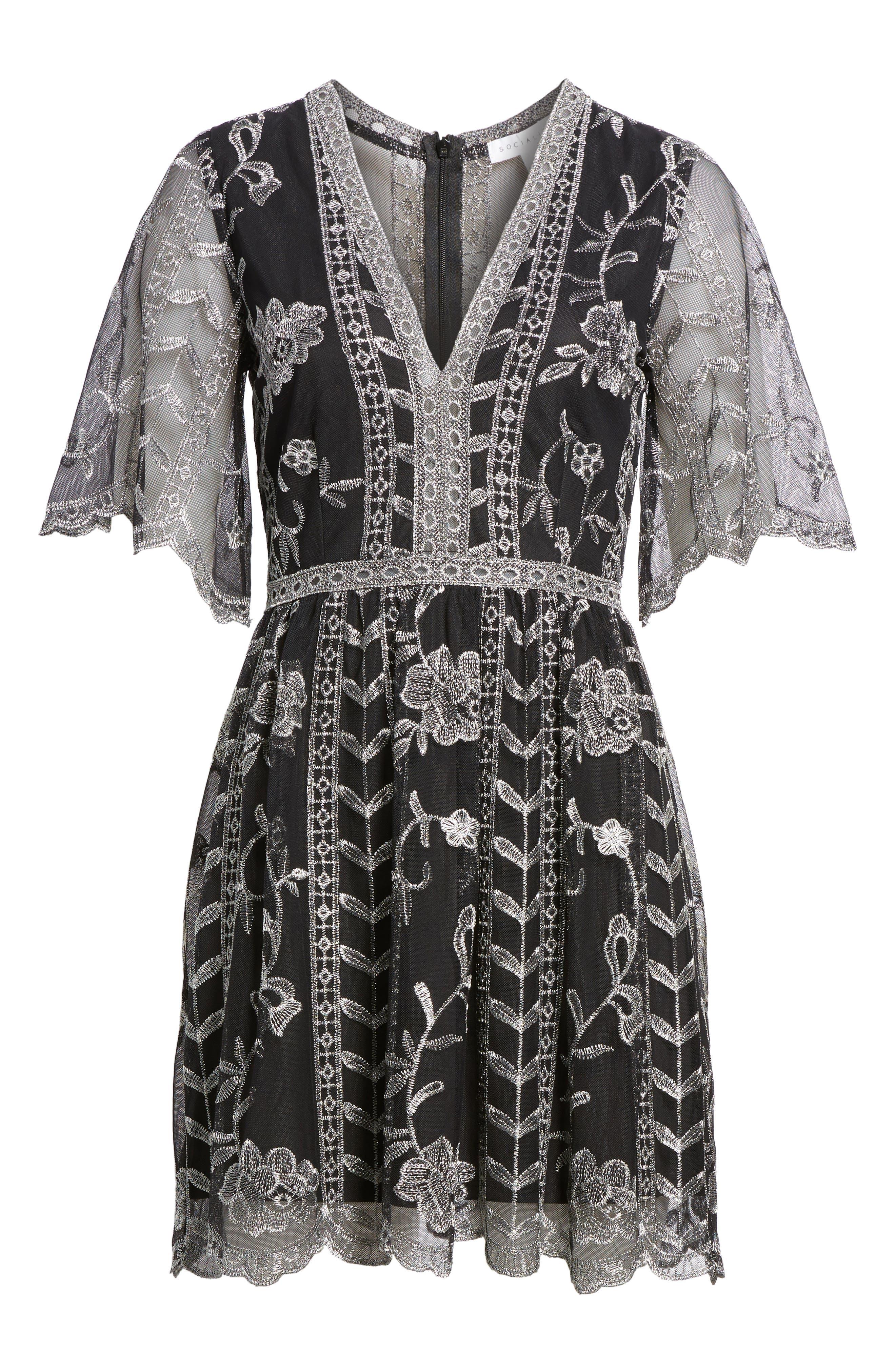 Alternate Image 6  - Socialite Plunging Lace Dress