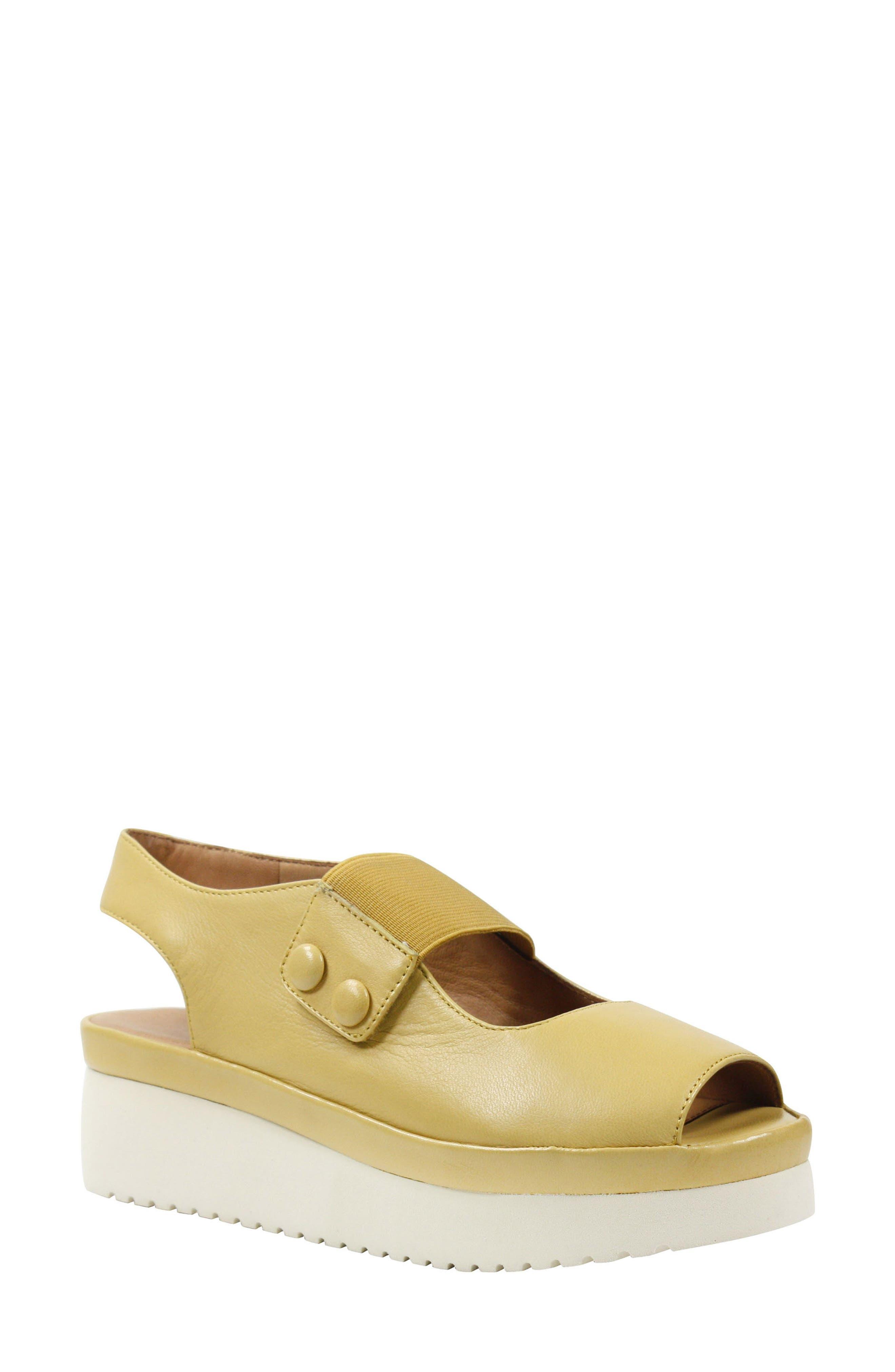 L'Amour des Pieds Adalicia Platform Sandal (Women)