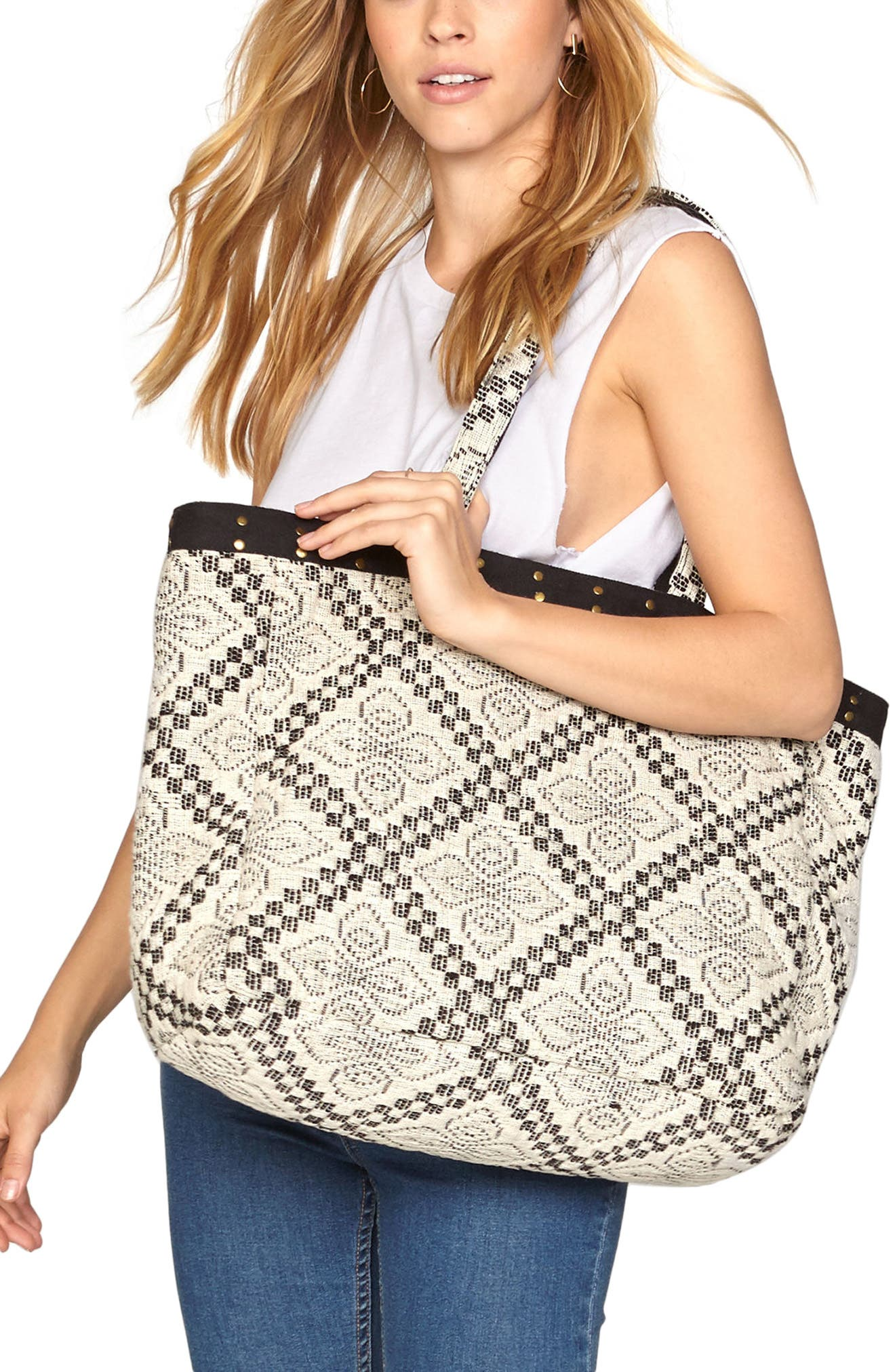Alternate Image 2  - Amuse Society Coastal Love Affair Crochet Tote