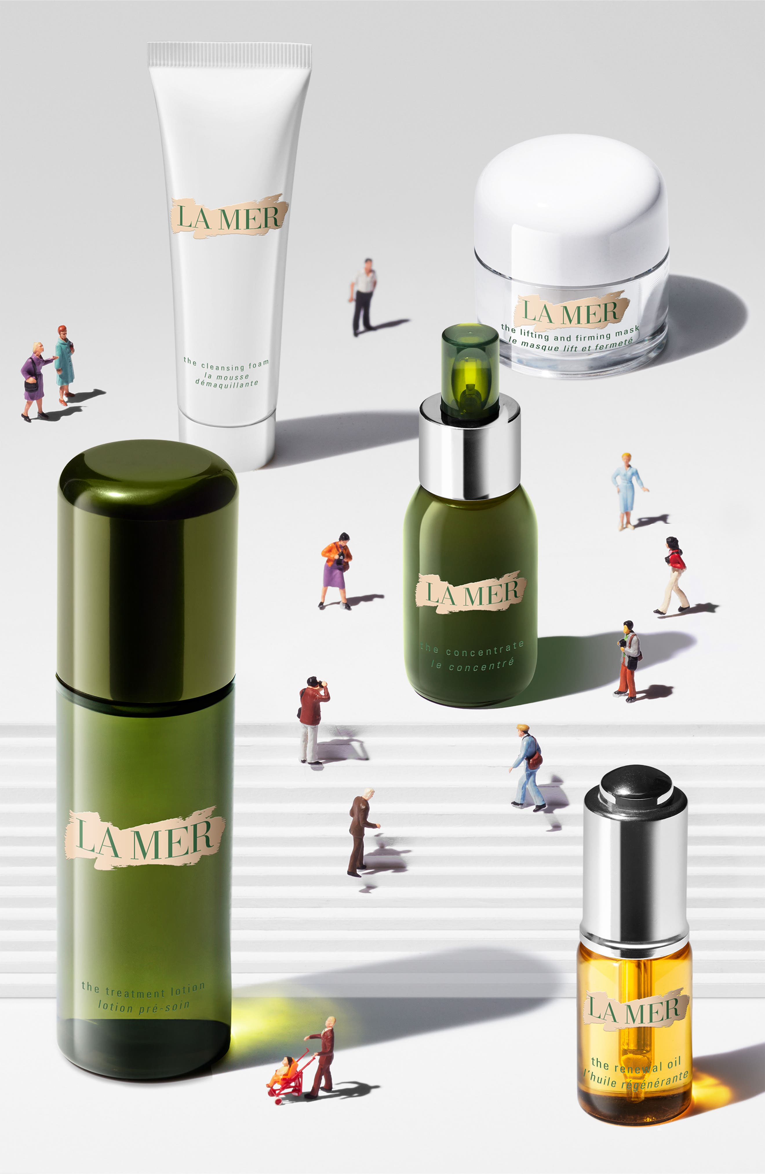 Alternate Image 2  - La Mer The Moisturizing Soft Cream