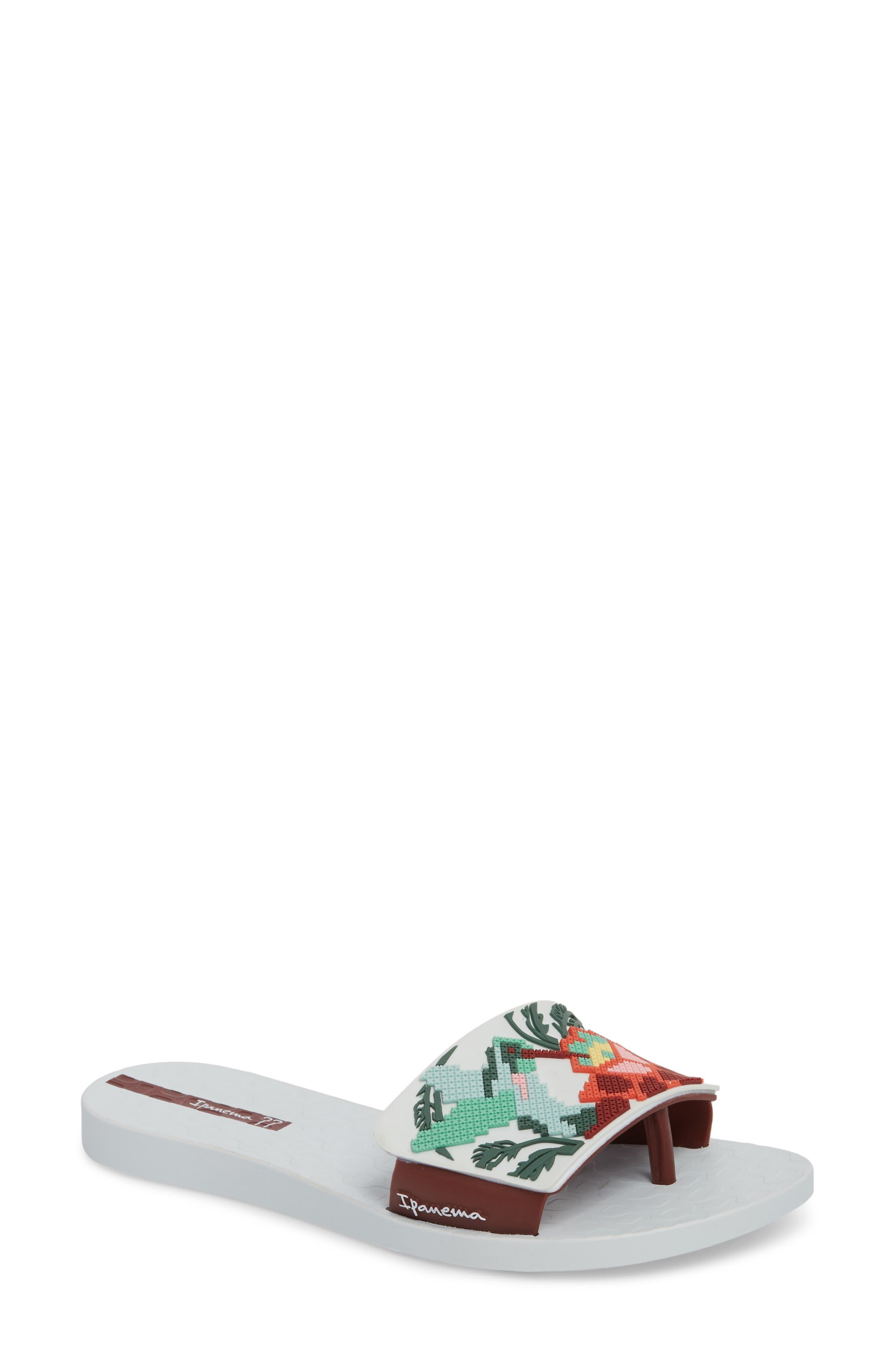 IPANEMA Nectar Floral Slide Sandal, White/ Burgundy