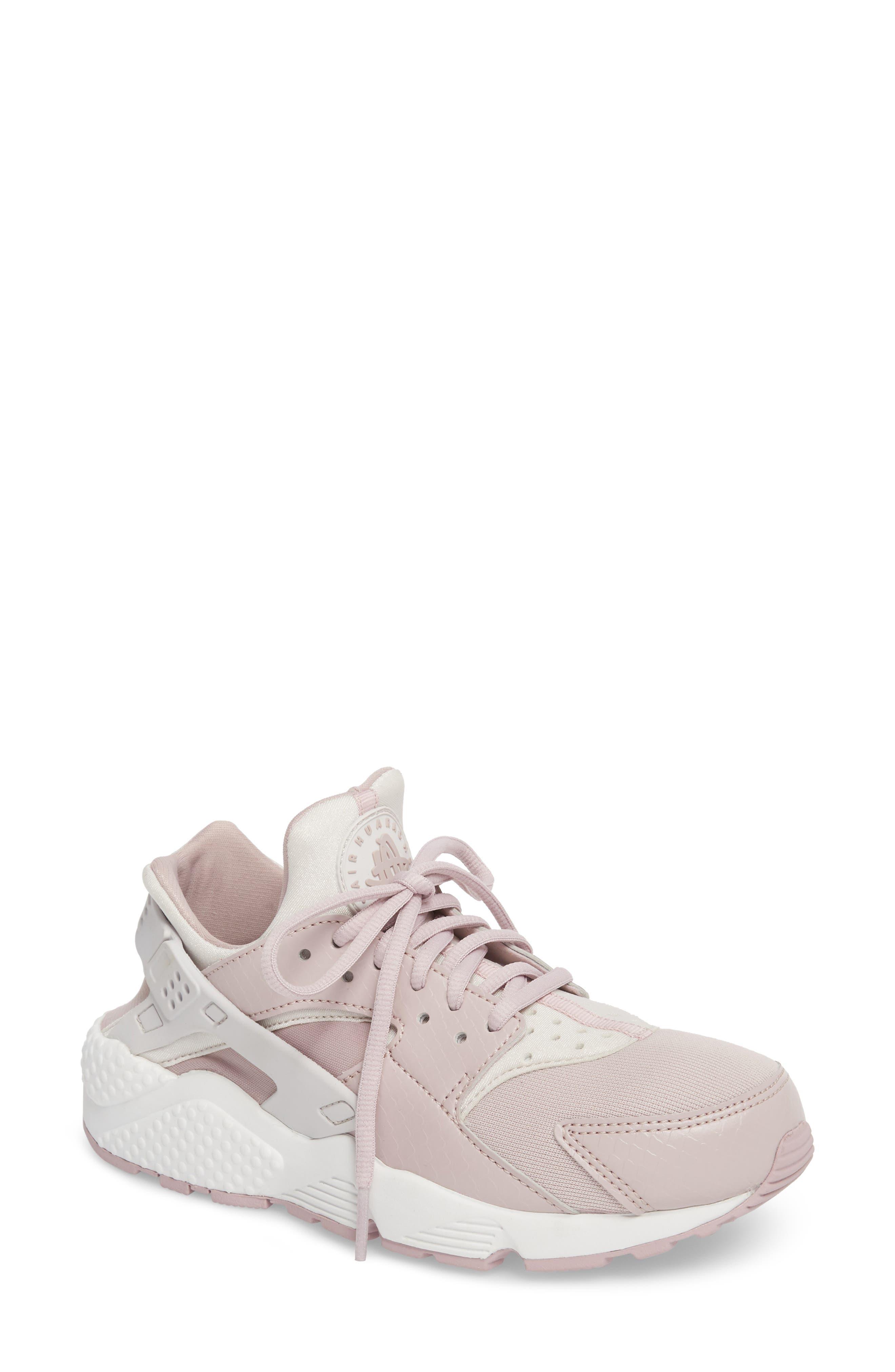 Nike Air Huarache Run Sneaker (Women)