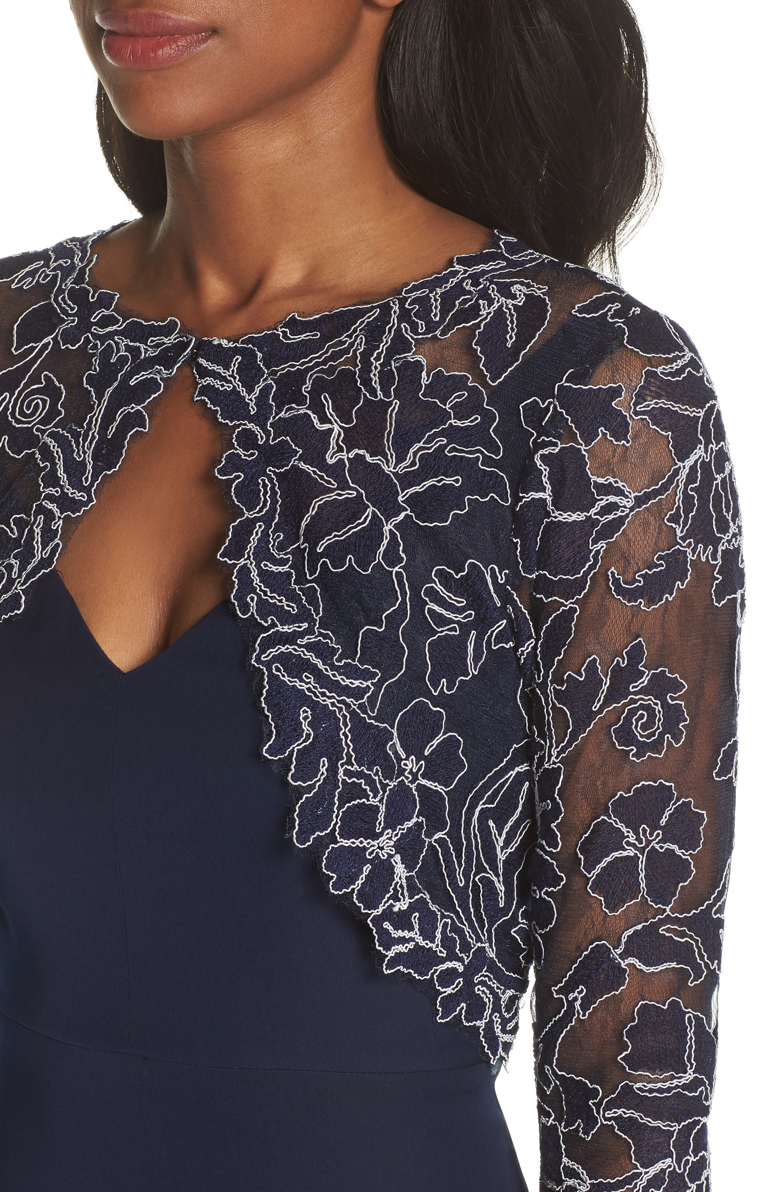 Crepe & Embroidered Lace Gown,                             Alternate thumbnail 4, color,                             Navy/ Ivory