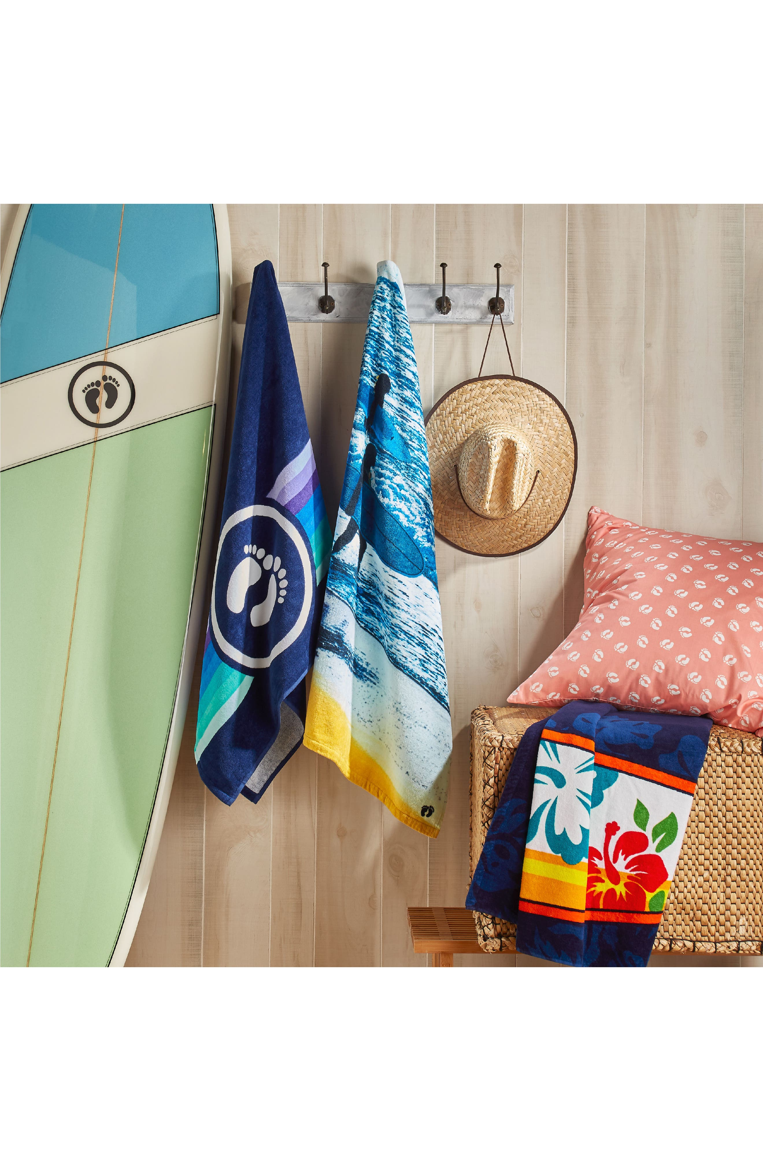 Hibiscus Surfboard Beach Towel,                             Alternate thumbnail 3, color,