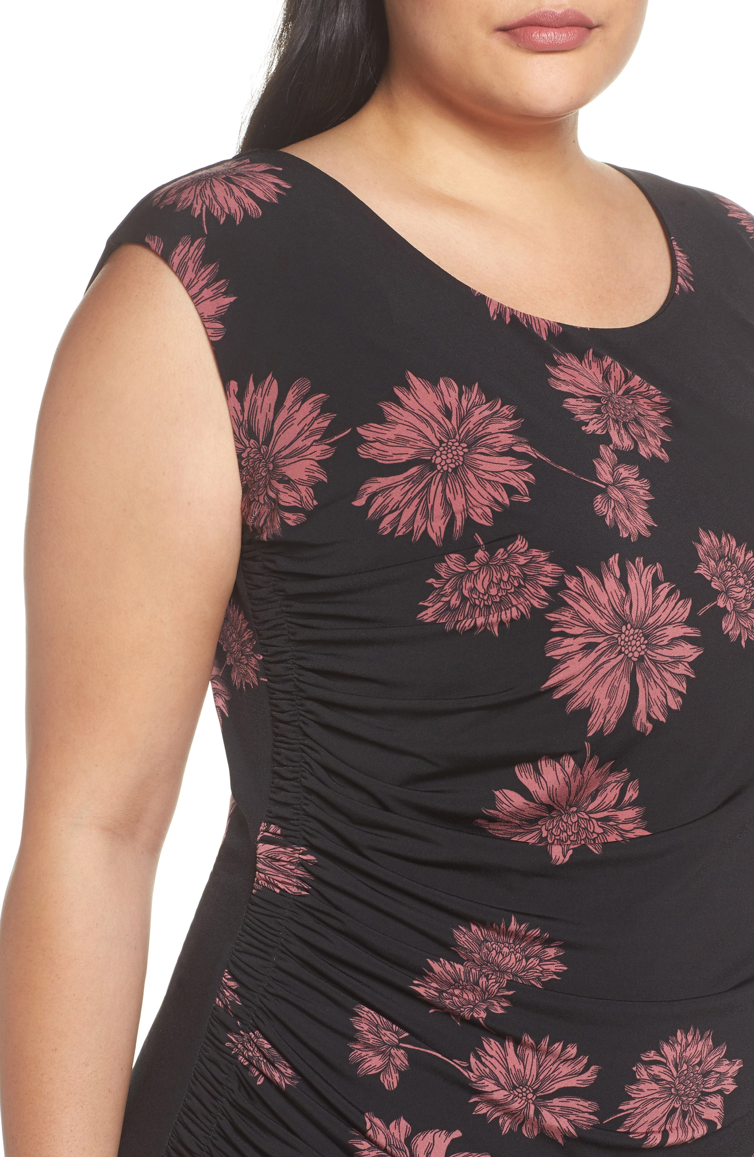 Chateau Floral Side Ruched Body-Con Dress,                             Alternate thumbnail 4, color,                             Rich Black
