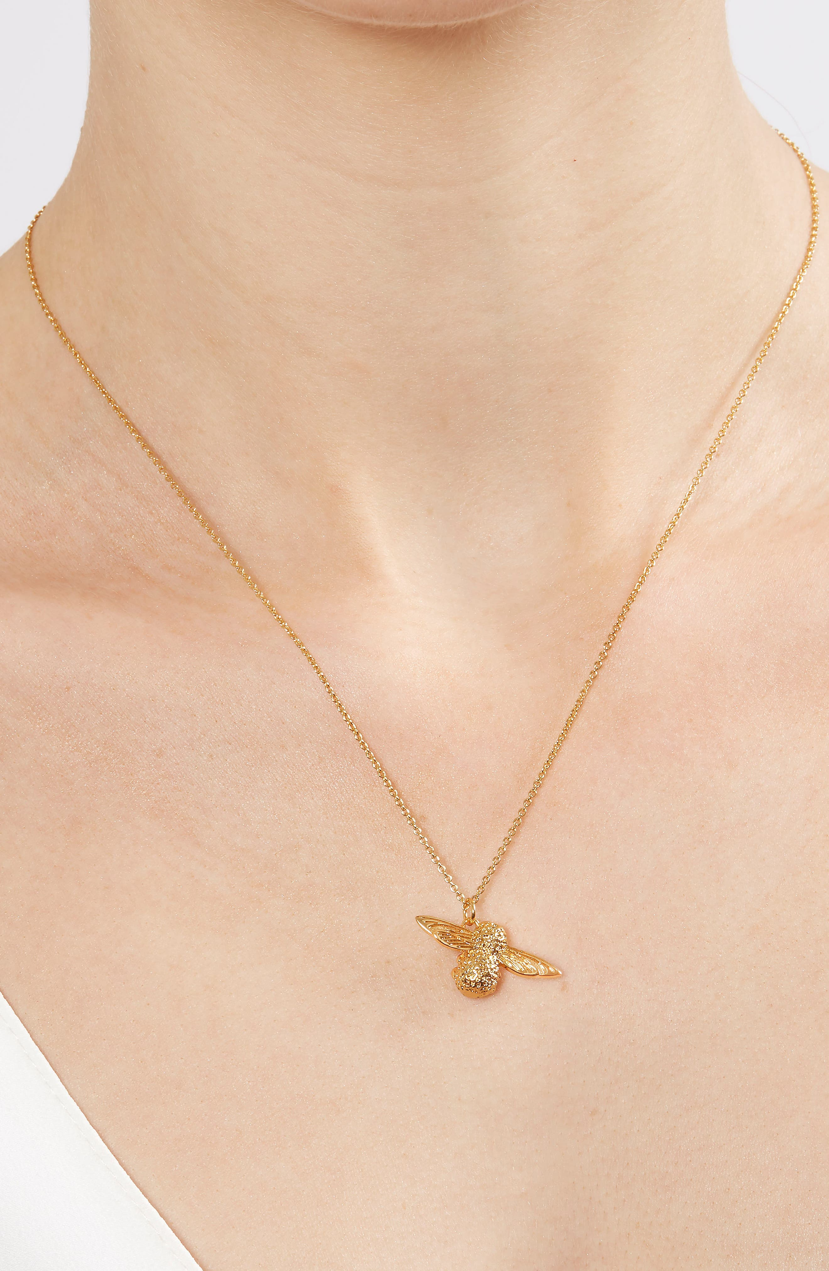 3D Bee Pendant Necklace,                             Alternate thumbnail 3, color,                             Gold