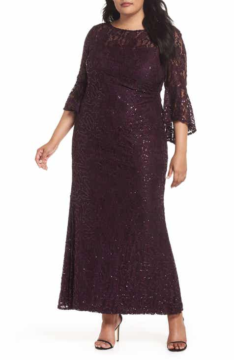 45648f076f9 Lace Bell Sleeve Gown (Plus Size)