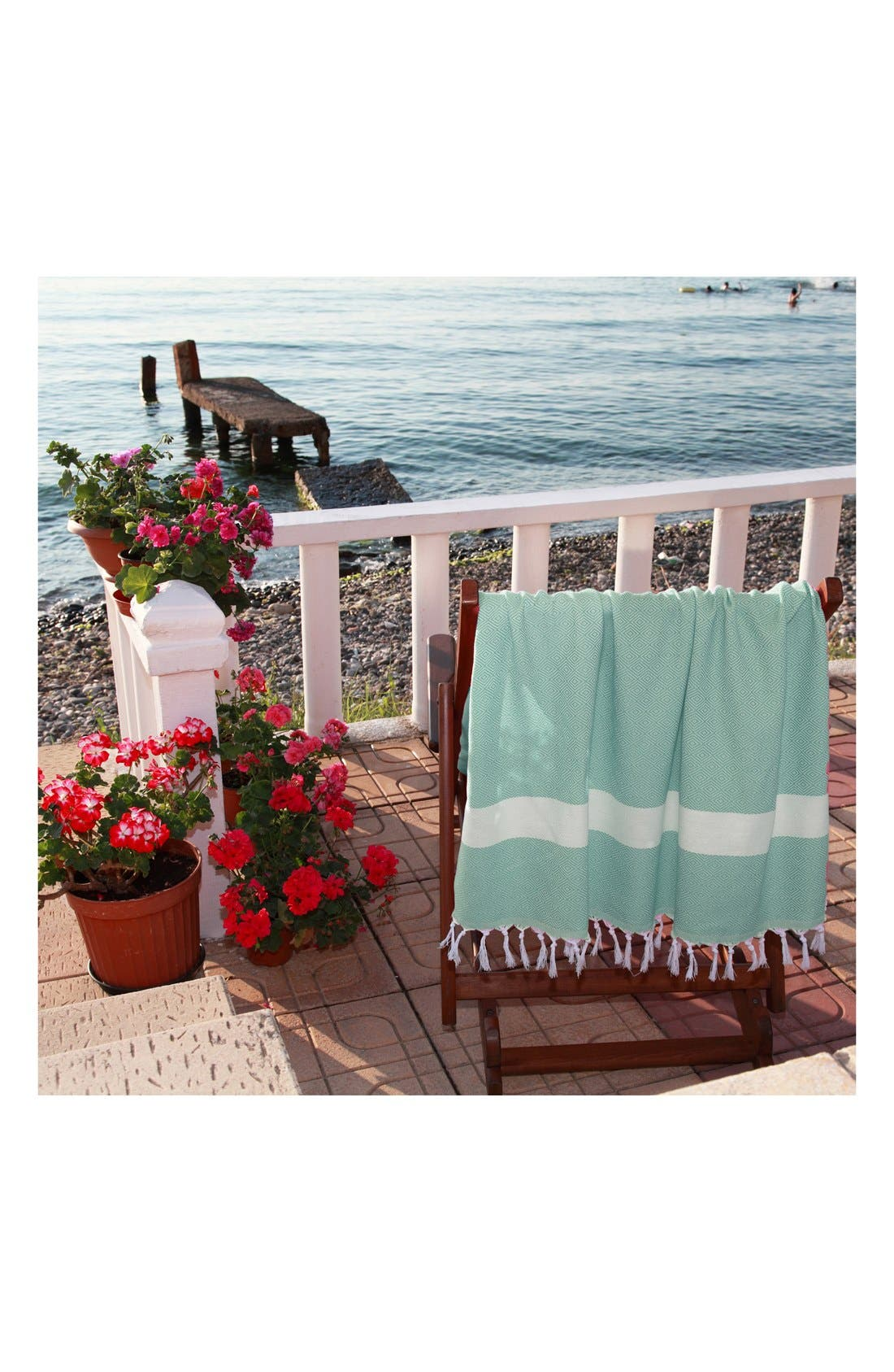 Alternate Image 4  - Linum Home Textiles 'Diamond' Turkish Pestemal Towel