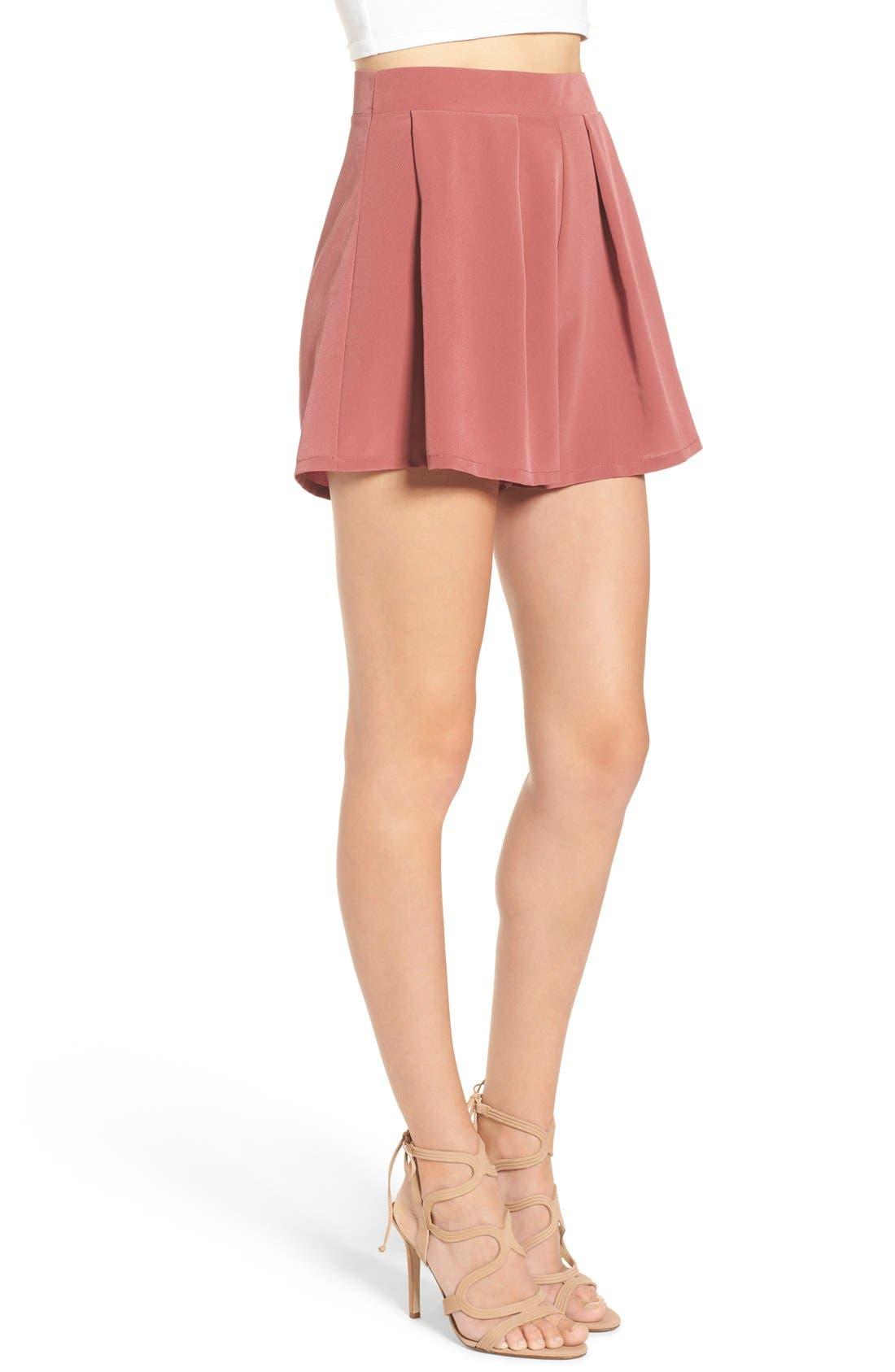 Alternate Image 4  - Leith Pleated High Waist Shorts