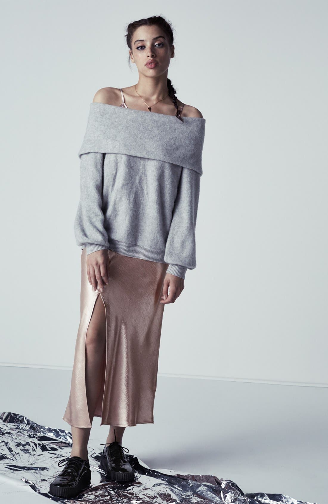 Alternate Image 6  - Leith Off the Shoulder Sweater