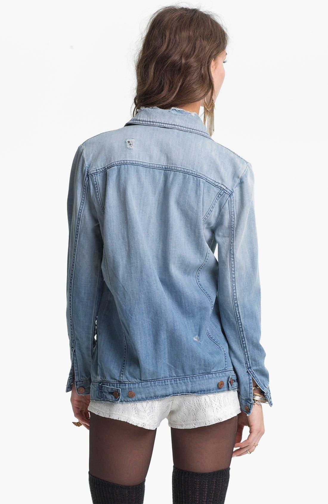 Alternate Image 2  - Levi's® 'Trucker' Oversized Denim Jacket