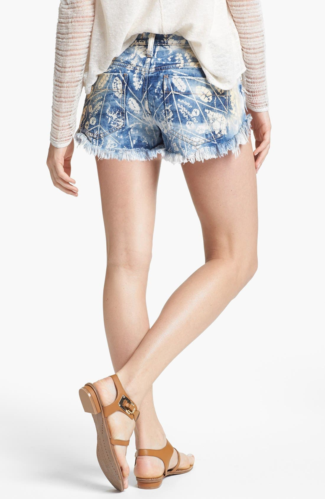 Alternate Image 2  - Free People Shibori Cutoff Shorts (Blue)