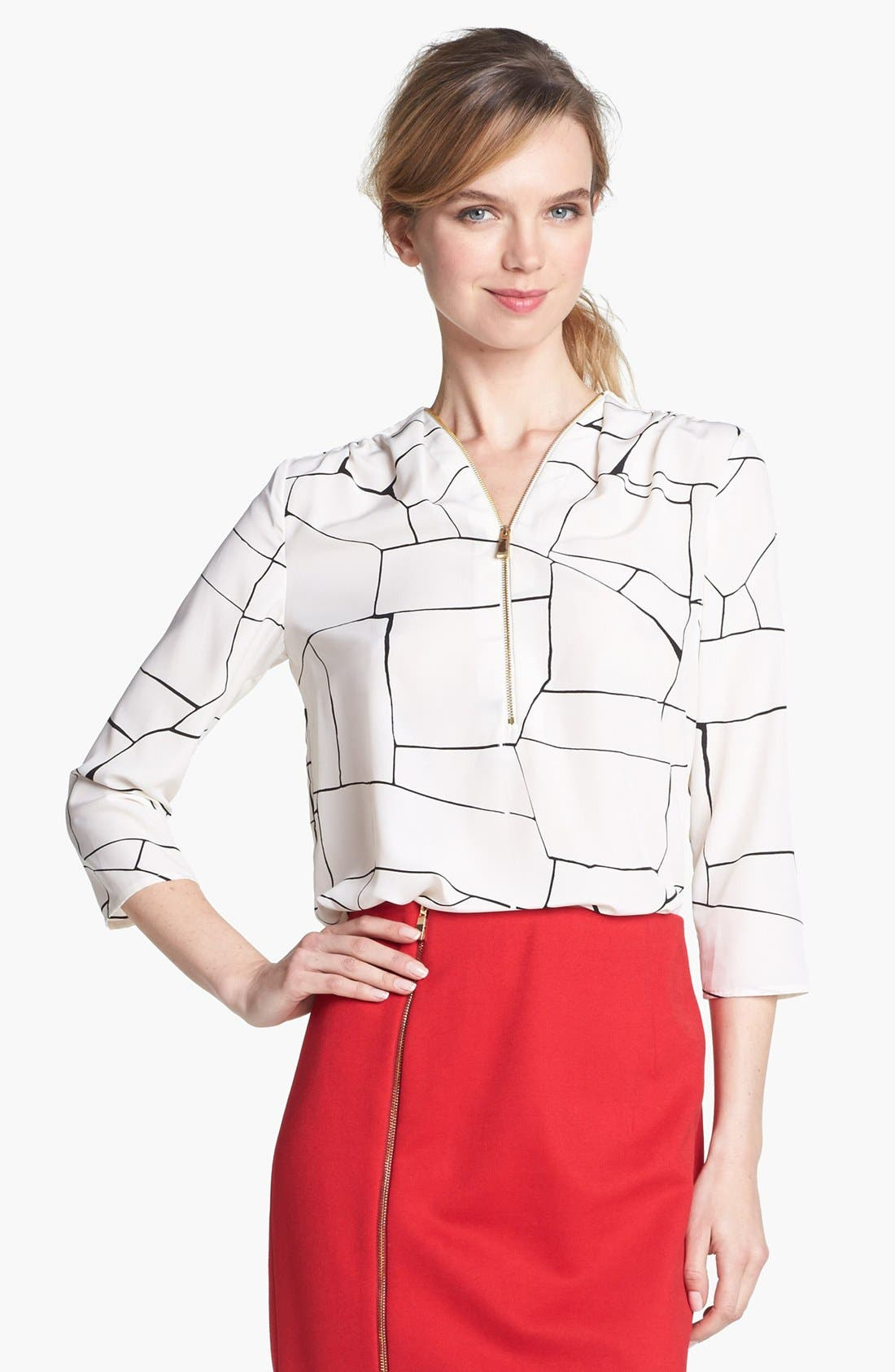 Alternate Image 2  - Vince Camuto Front Zip Print Blouse
